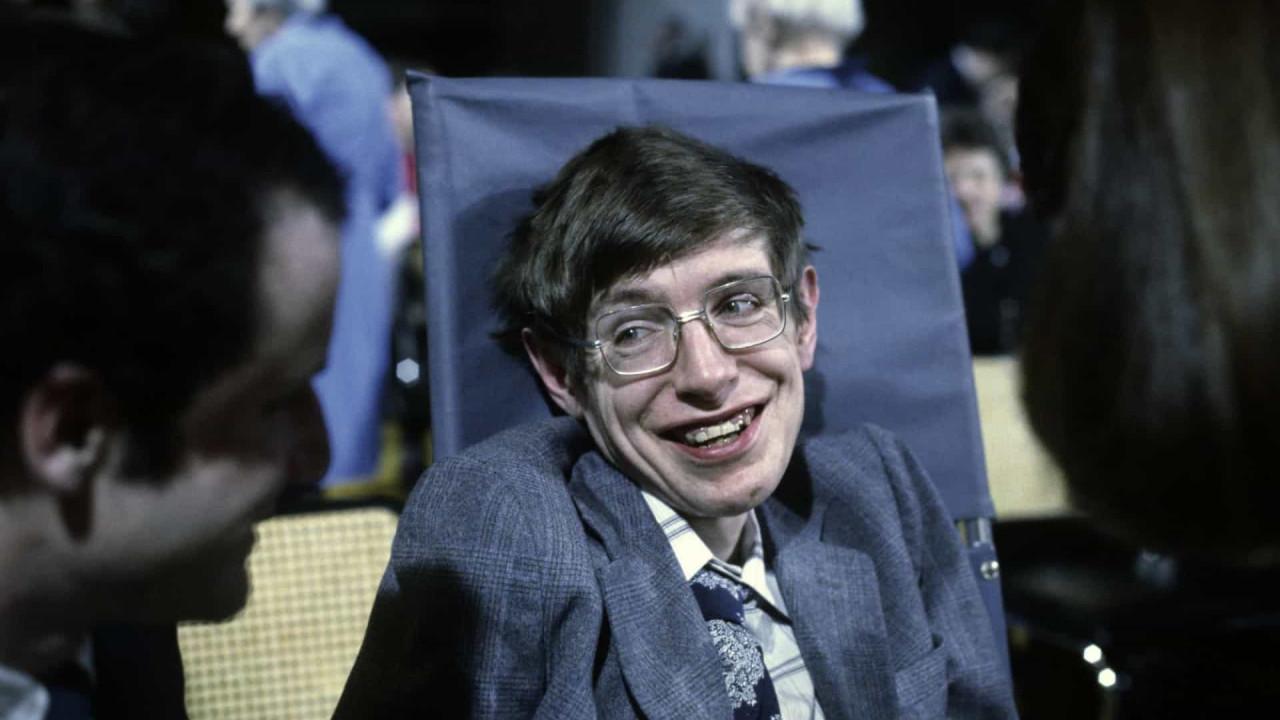 Stephen Hawking: Sein Leben in Bildern StarsInsider Unterhaltung - MSN Unterhaltung