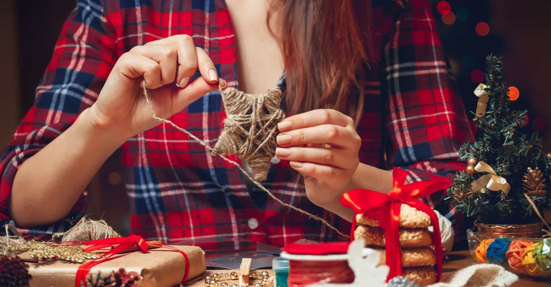 DIY Christmas decorations made with everyday objects
