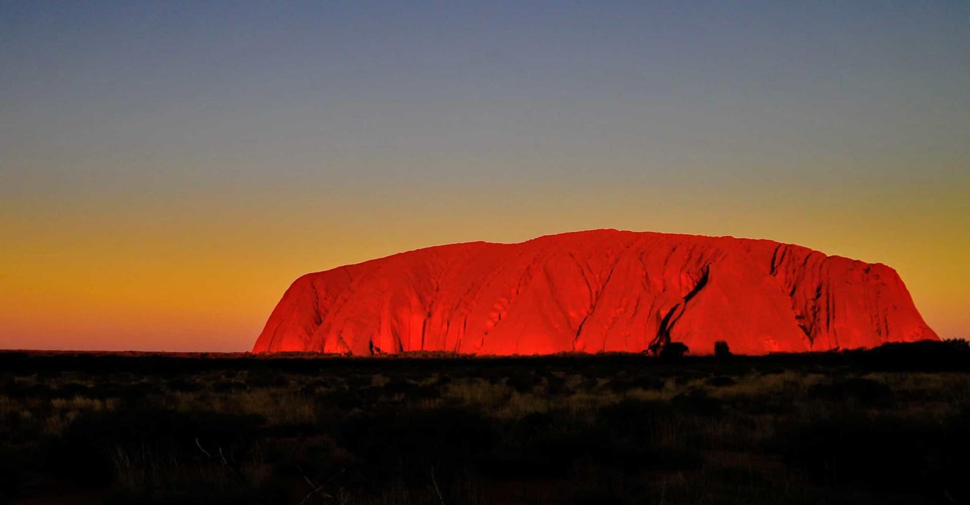 Uluru: l'emblématique montagne australienne
