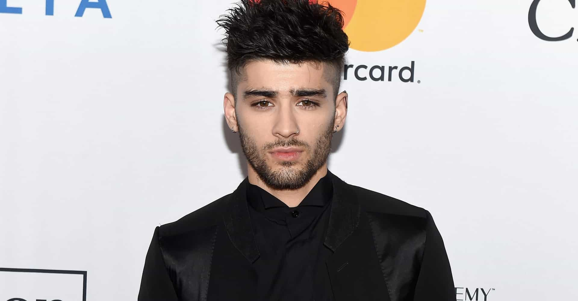 """A disaster"", critics trash Zayn Malik's Bollywood cover"