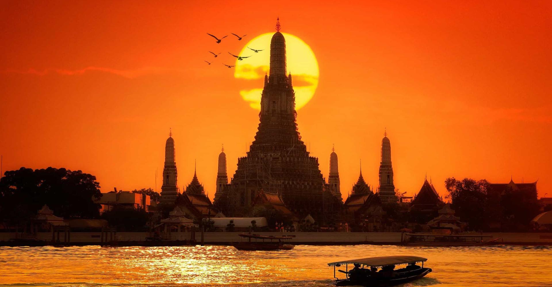 Tra passato e futuro: Bangkok e i suoi spettacolari contrasti