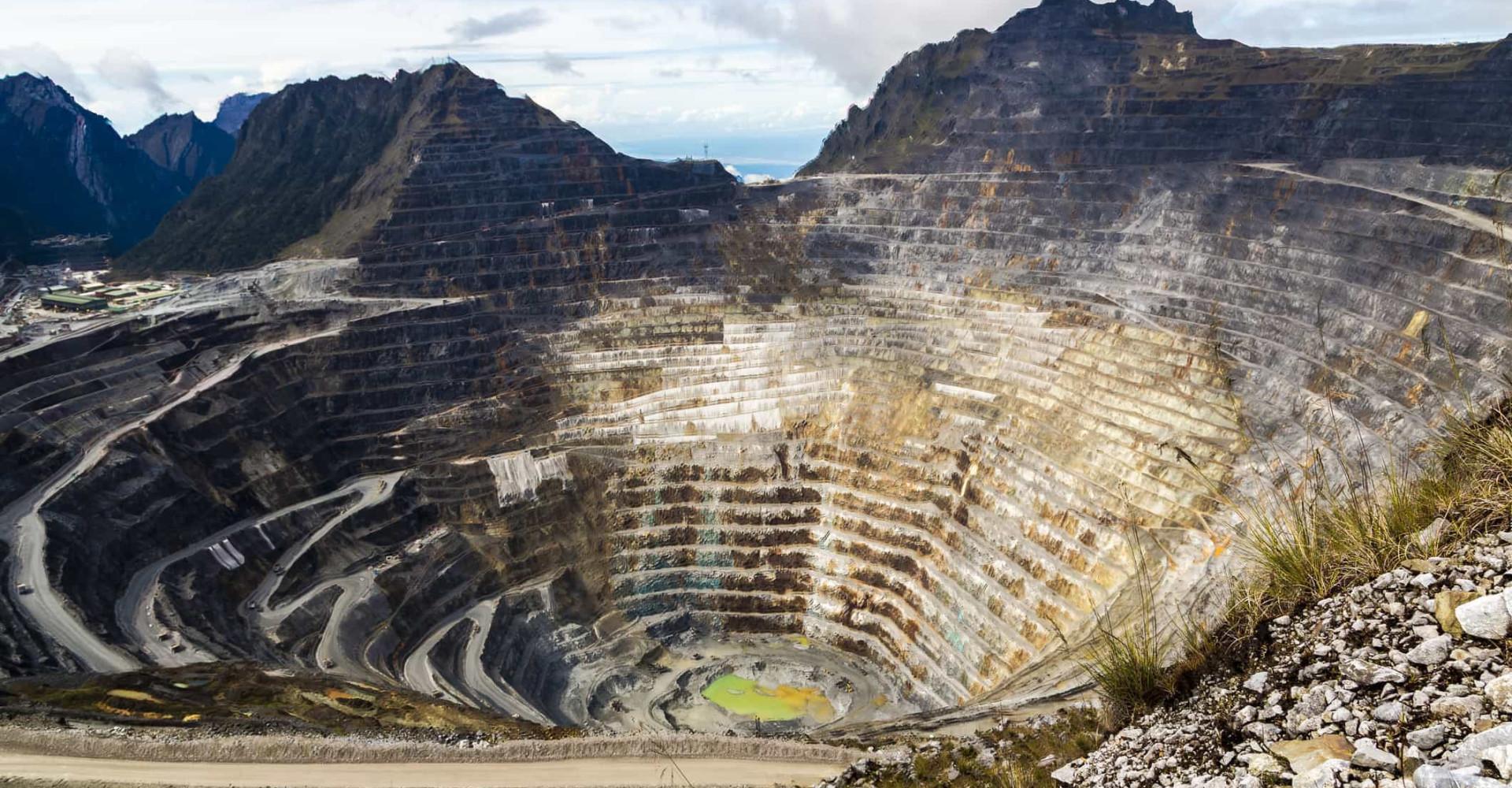 Jordens ar: se verdens mest fascinerende kratere og miner