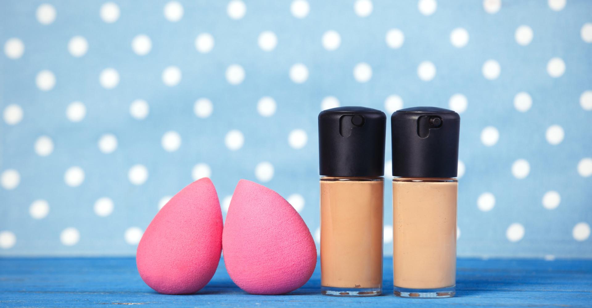 Waarom je je make-up spons in de magnetron moet stoppen