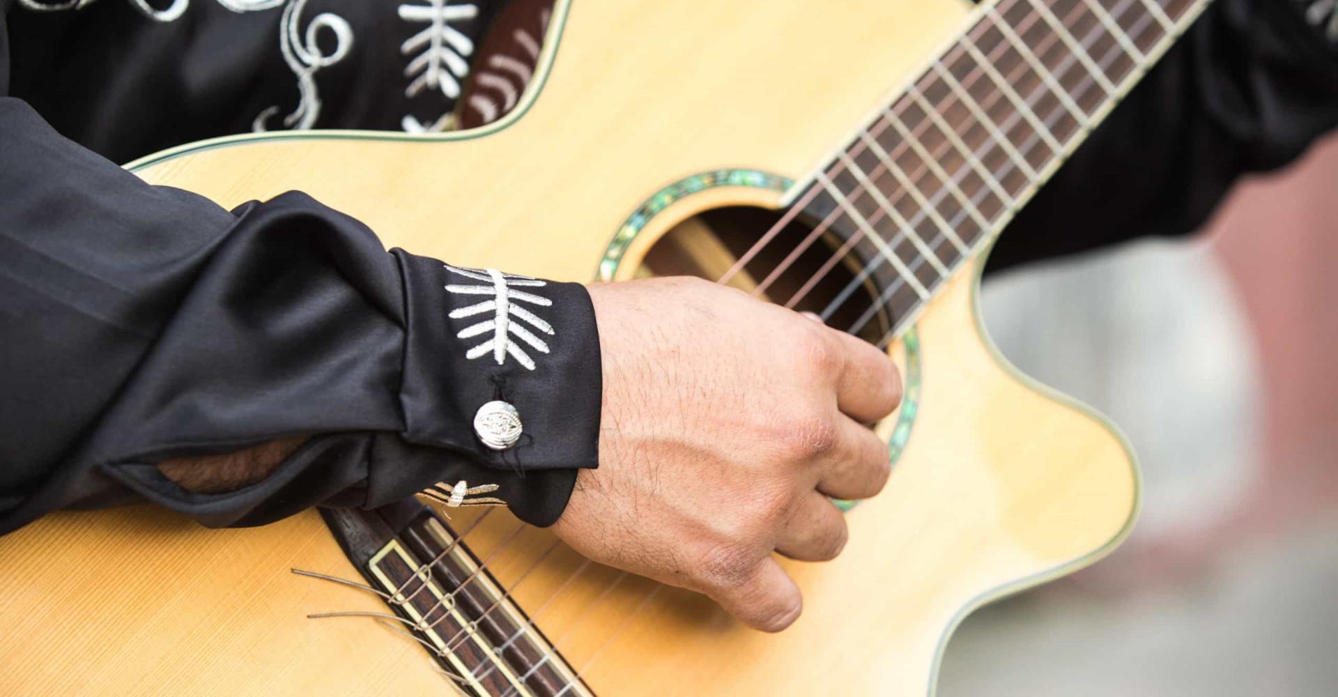 Las 15 canciones más emblemáticas de México