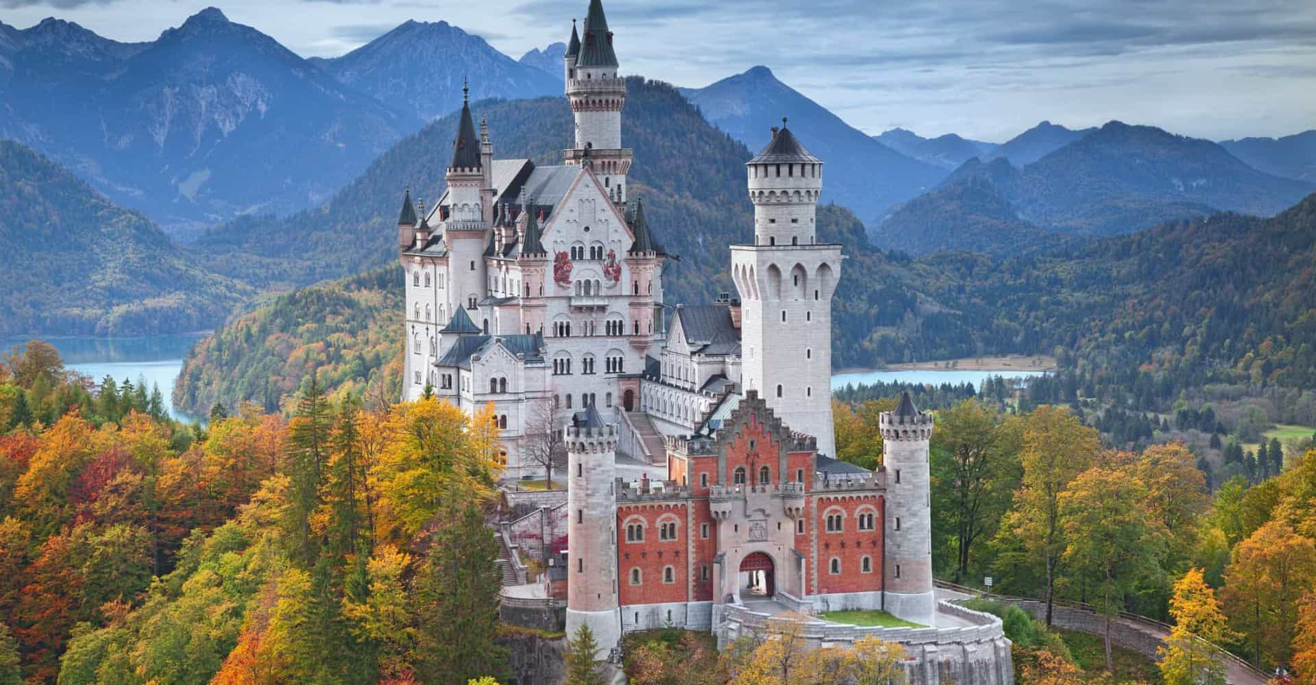 Breathtaking castles that look straight out of a fairy tale