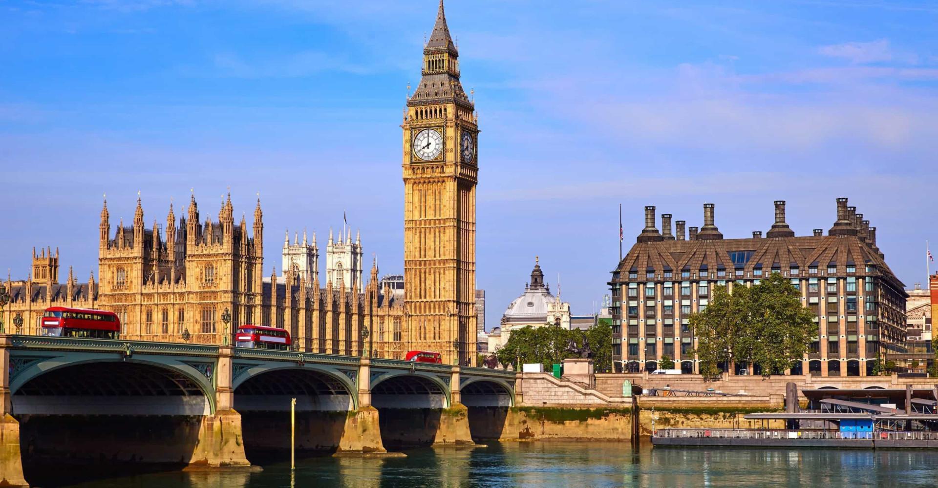 På tide å møte de mest fantastiske klokketårnene i verden