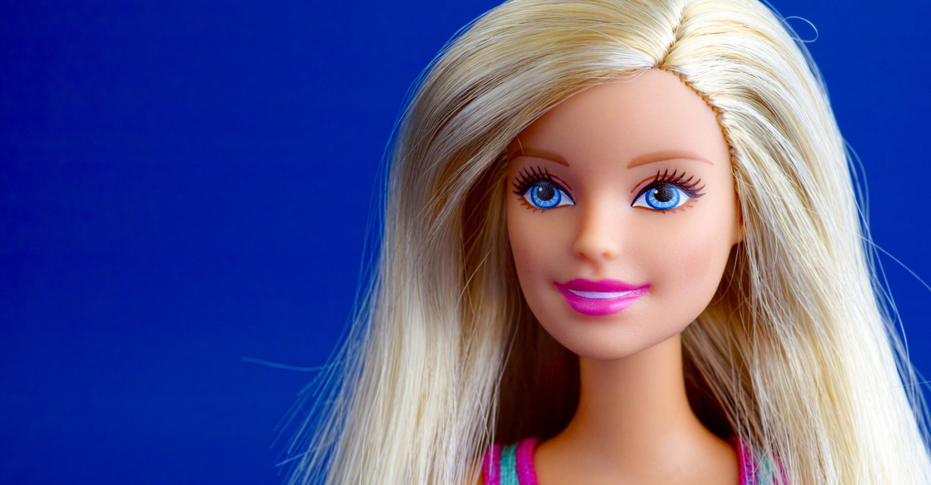 Barbie op gympen!