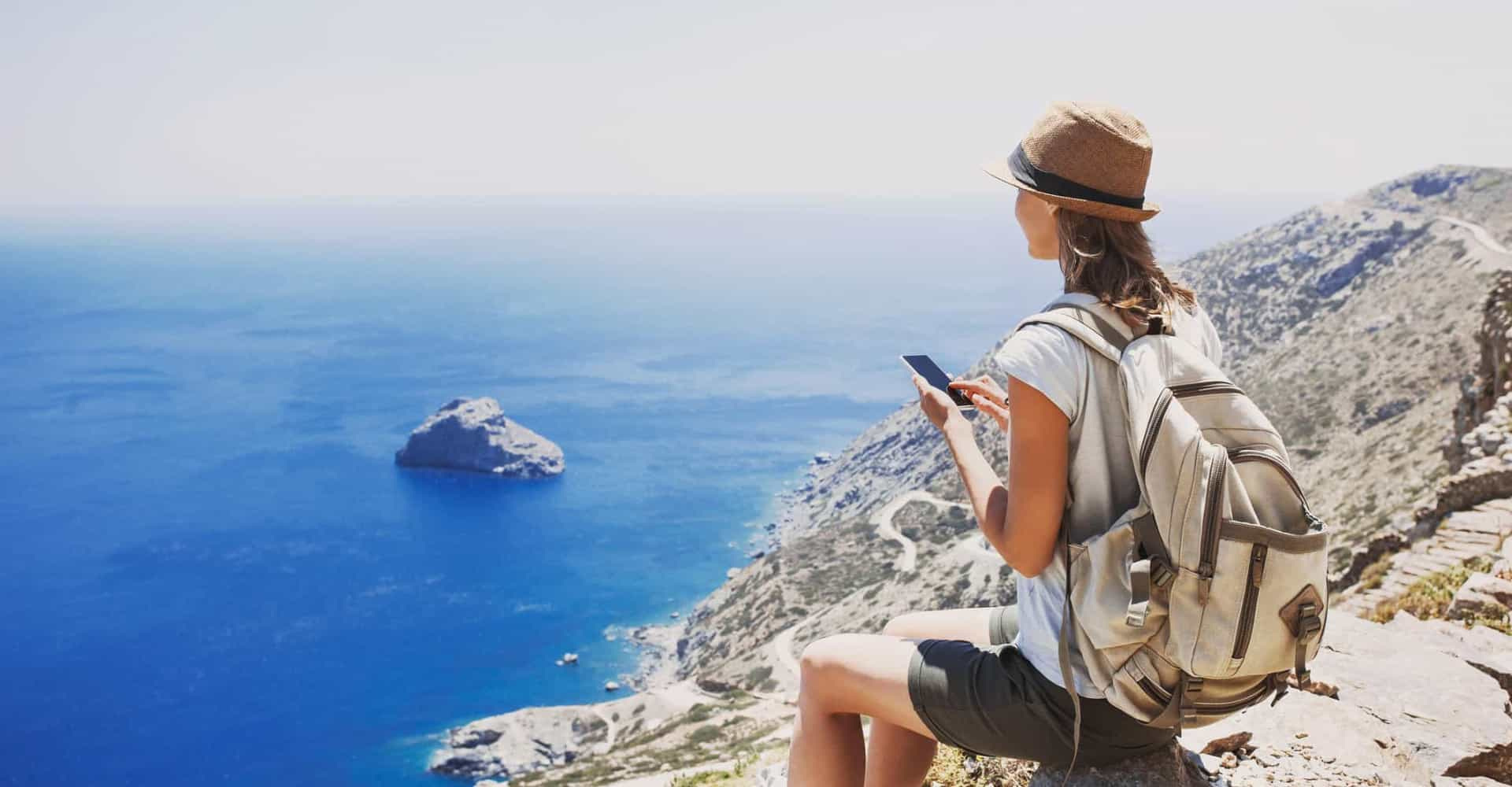 Become a minimalist traveller by following these tips and tricks