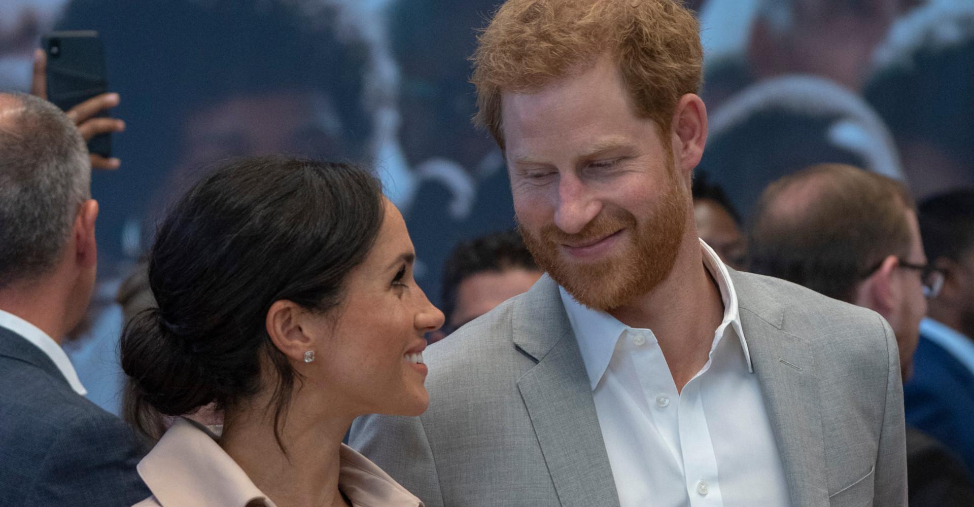 Harry e Meghan, gli sposini reali innamorati pazzi