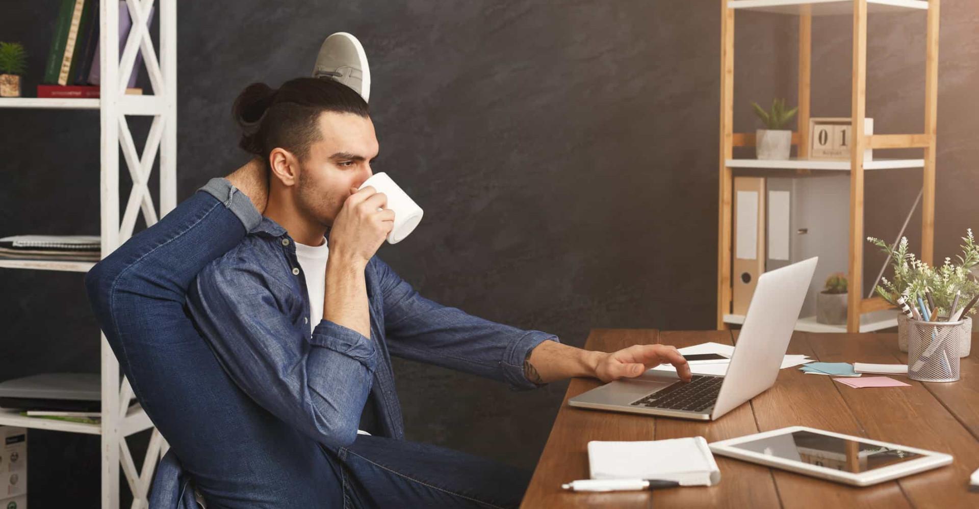 Smarta och listiga sätt att träna lite medan du jobbar
