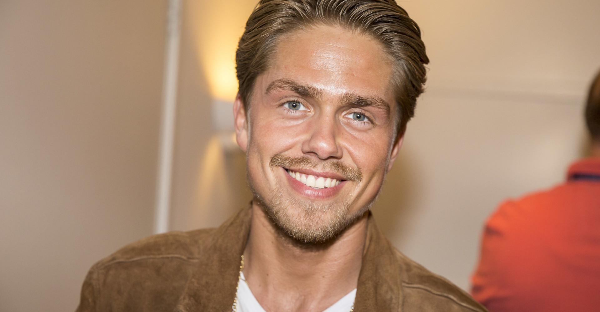 Zoontje Andre Hazes leert tandenpoetsen met YouTube-filmpje