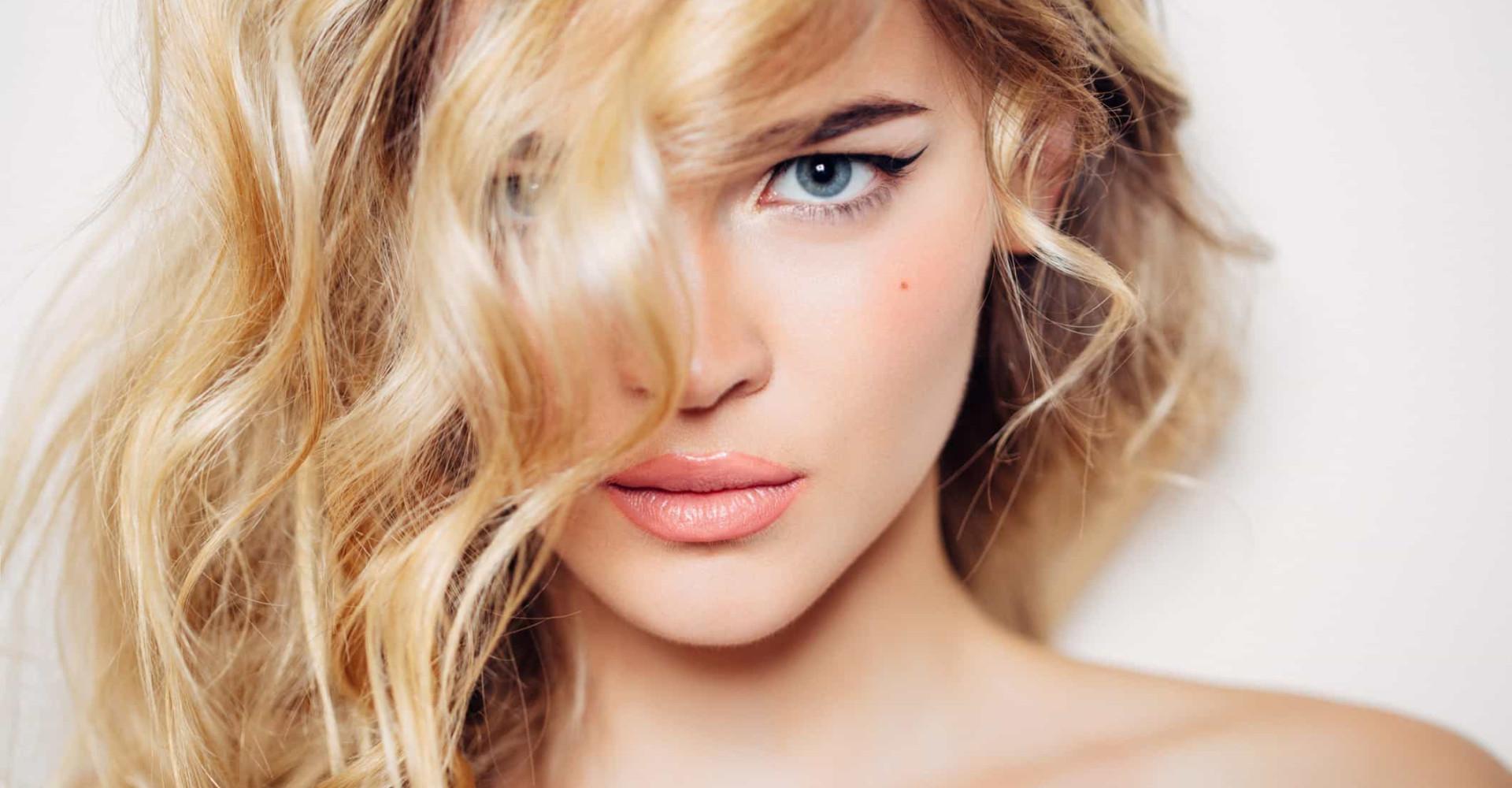 Capelli perfetti: i trattamenti fai-da-te per una chioma lucente