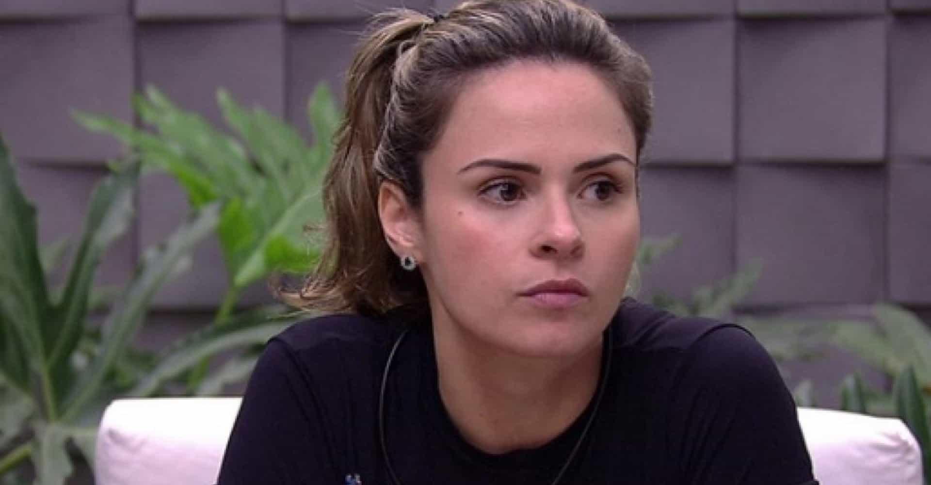 Ana Paula Renault rebate críticas feitas por Hana no 'BBB19'