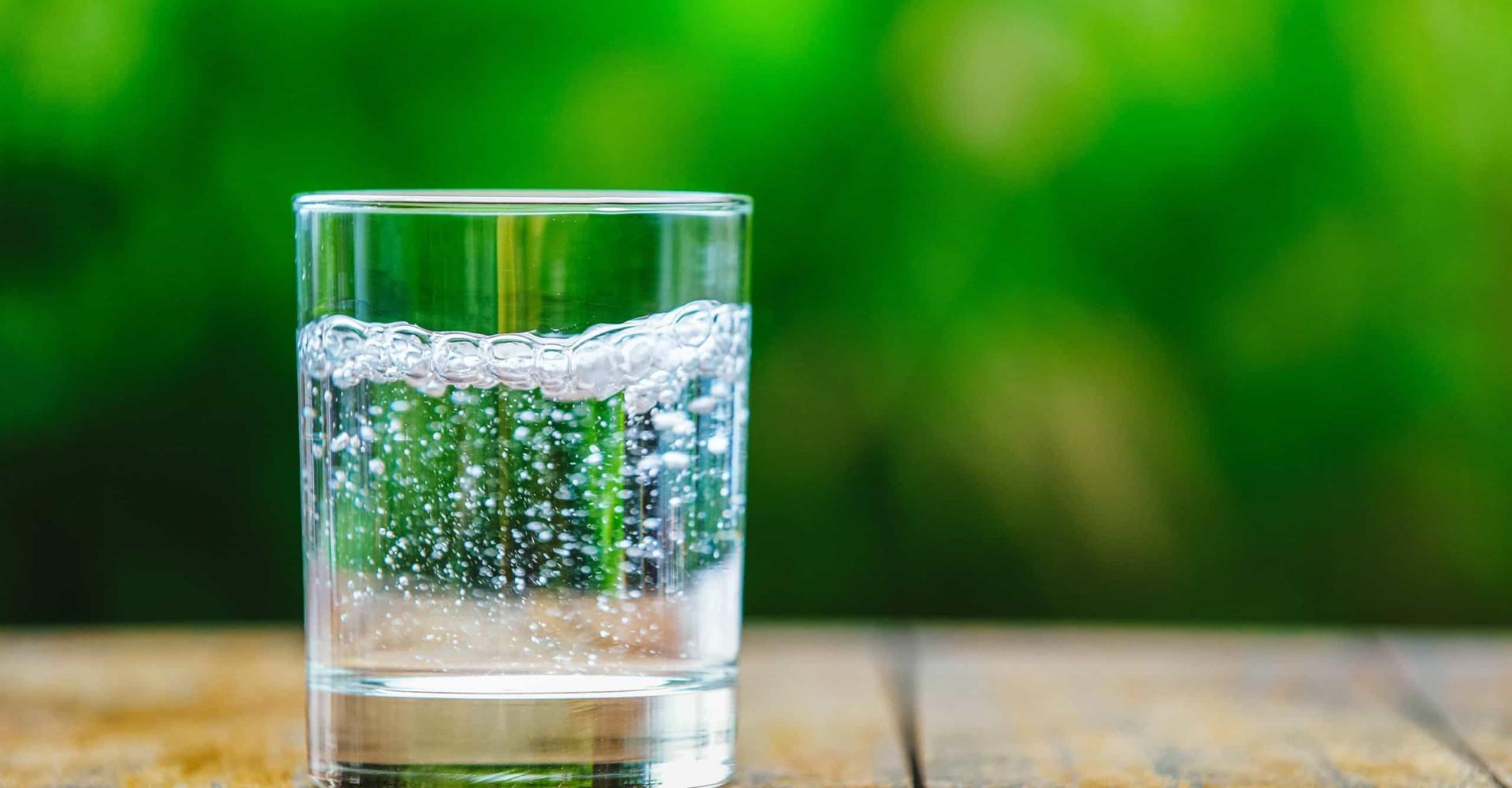 Ist Sprudelwasser das neue Wundermittel für die Haut?