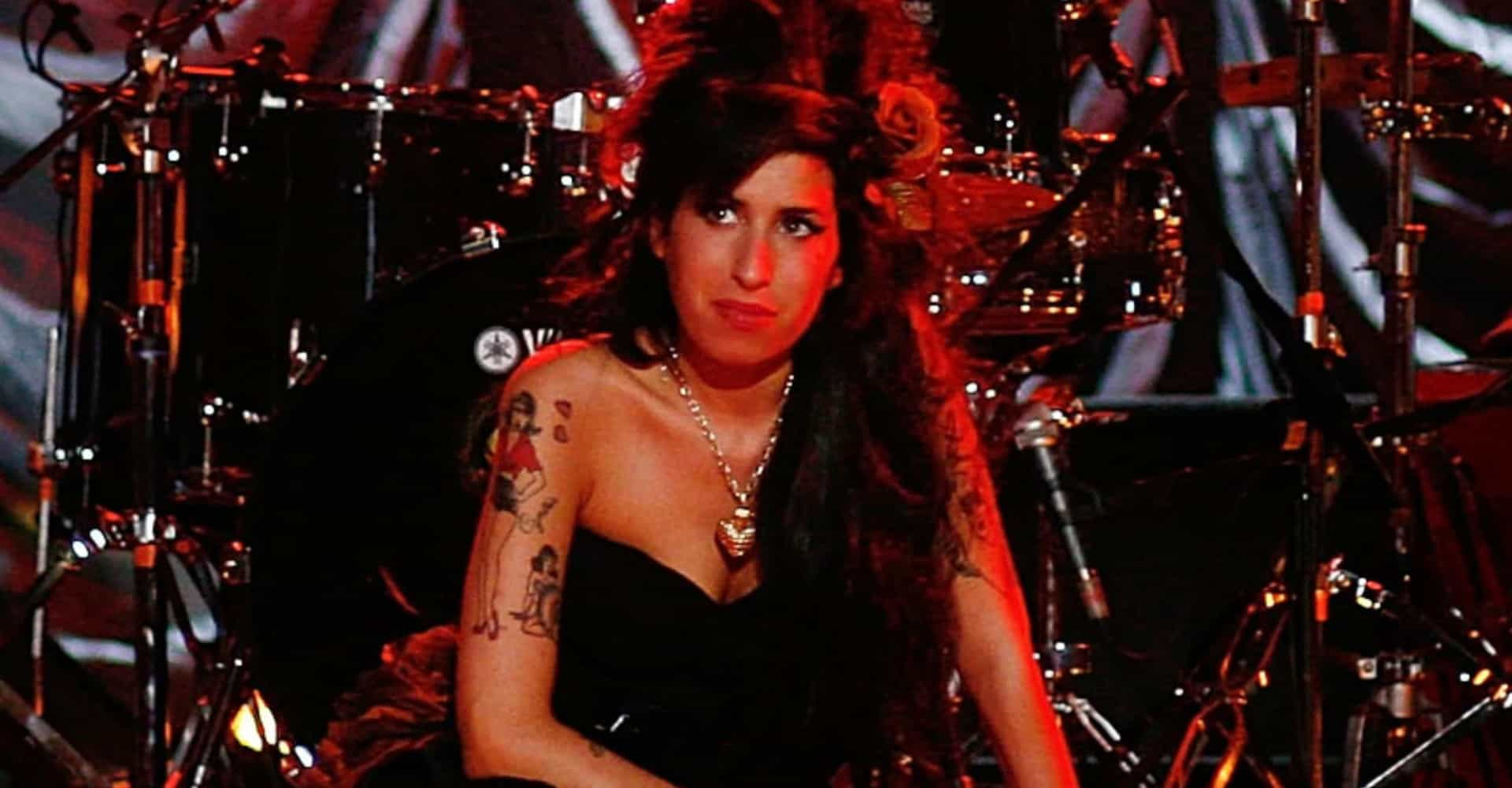 Amy Winehouse and other holograms on tour