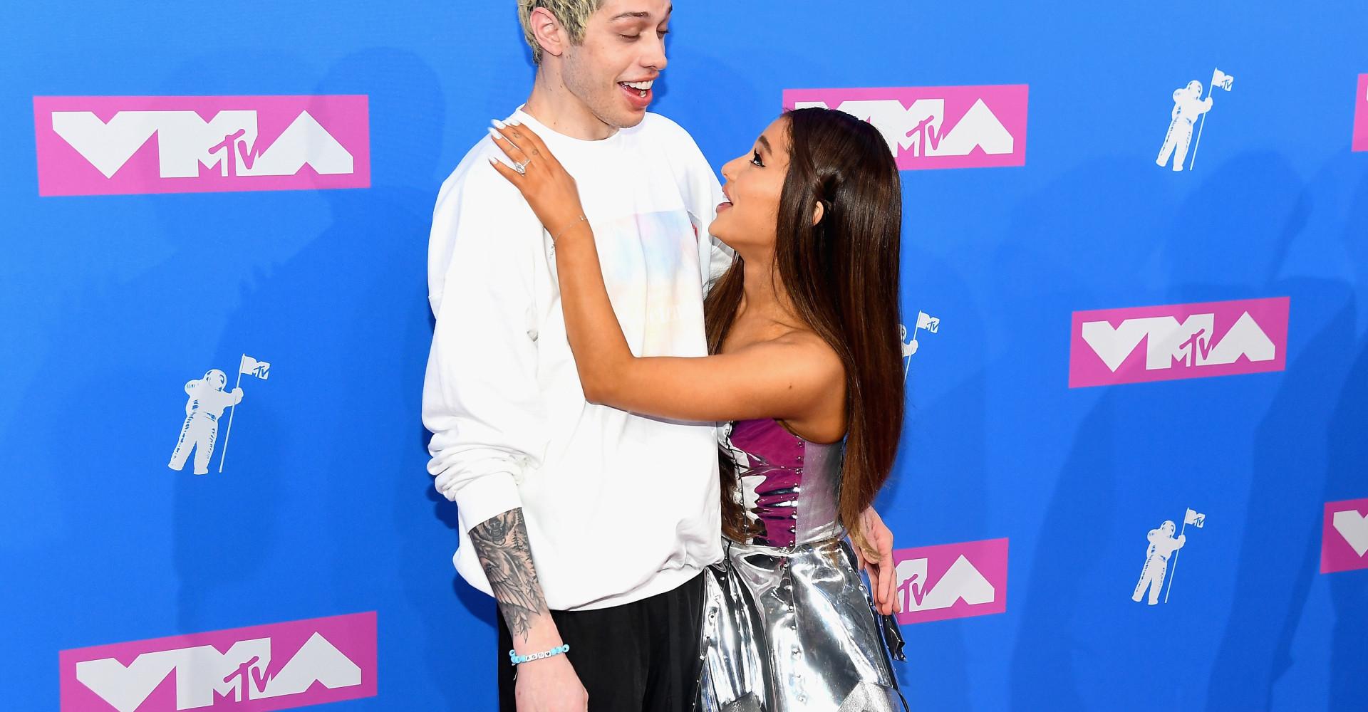 Ariana Grande furiosa con l'ex, ecco perché