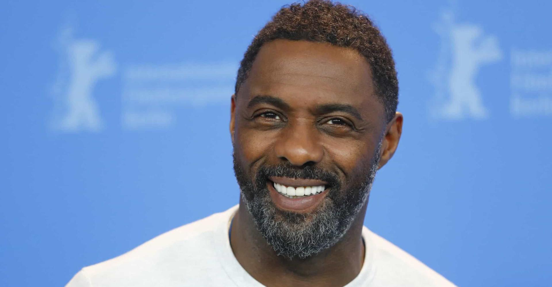 """Idris Elba est élu """"homme le plus sexy de l'année"""""""