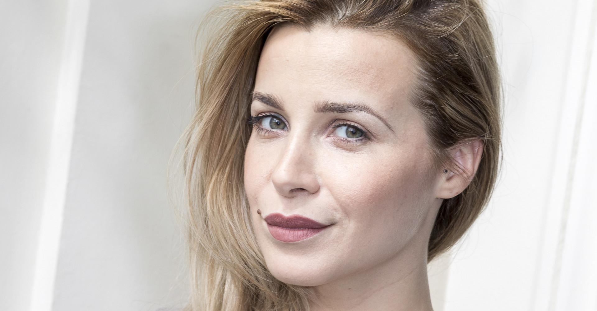 Victoria Koblenko verkleedt zich als cadeau