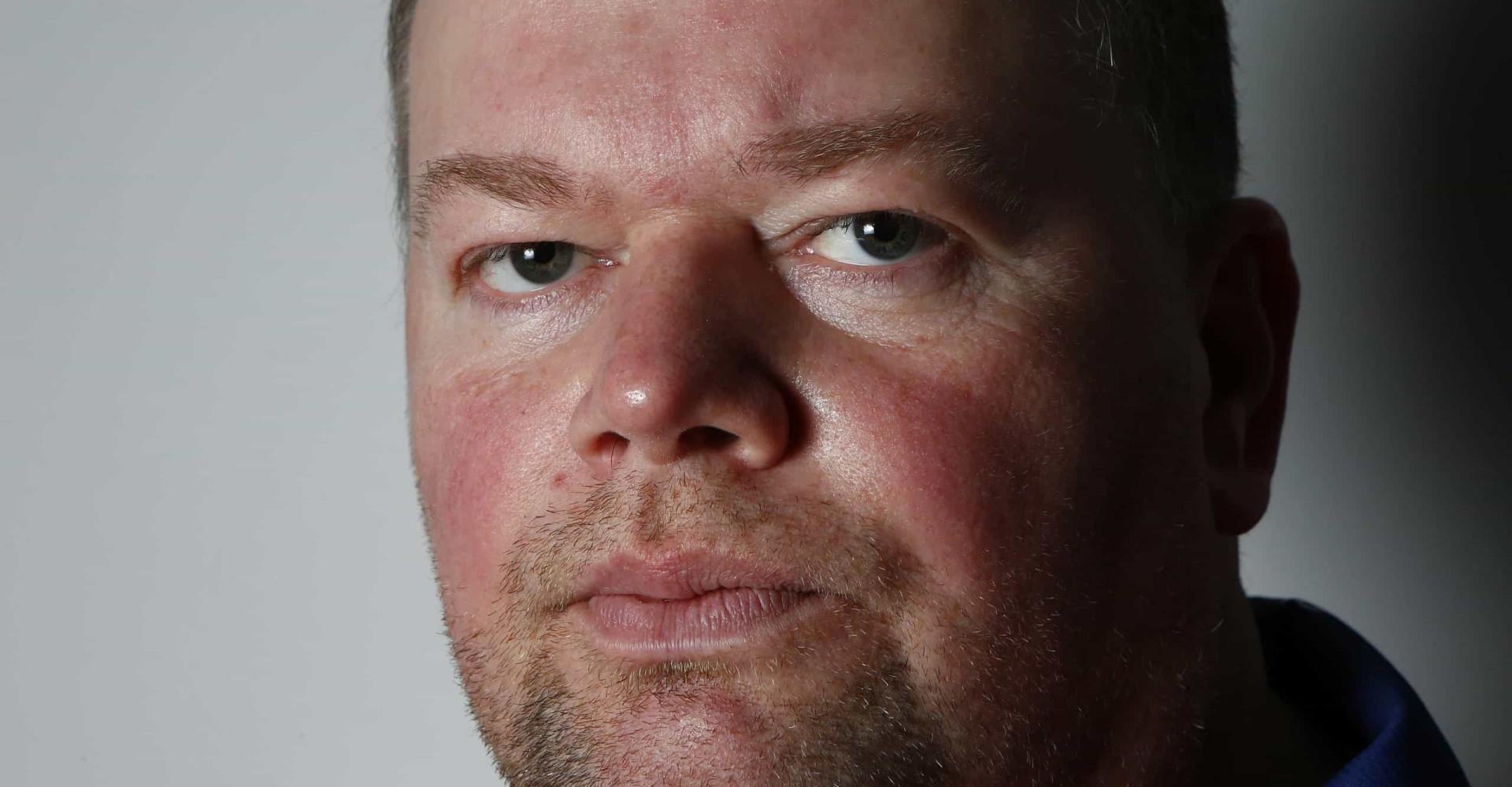 Raymond van Barneveld: de tragiek van een dartlegende