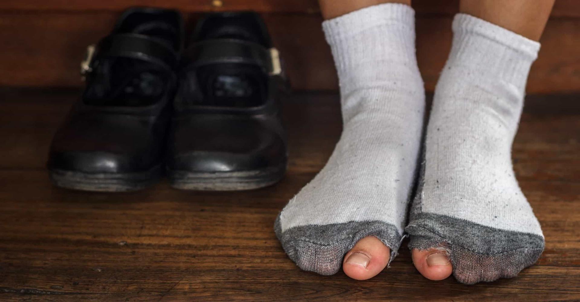 Zo voorkom je gaten in je sokken