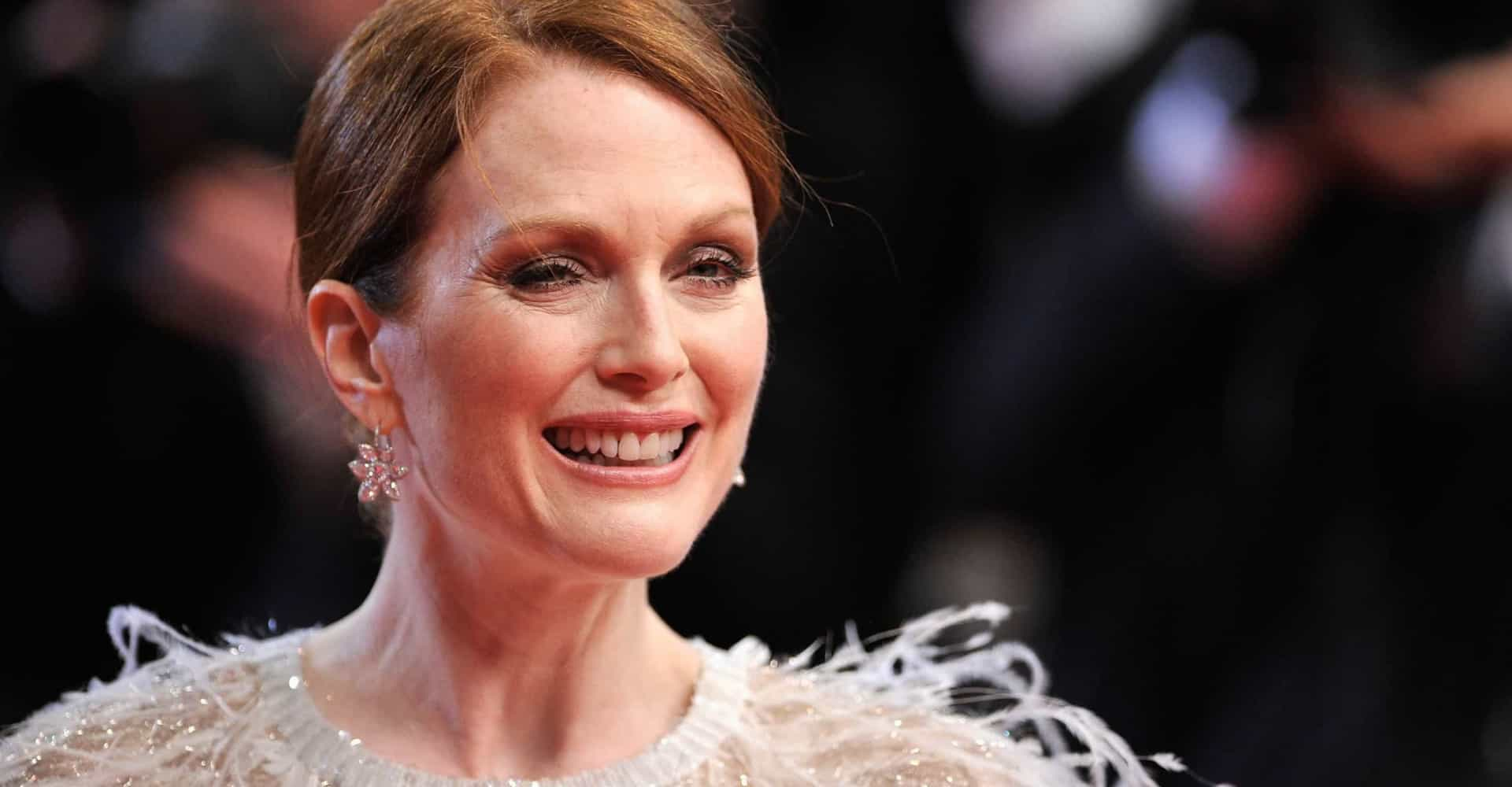 Julianne Moore: a gay life and career