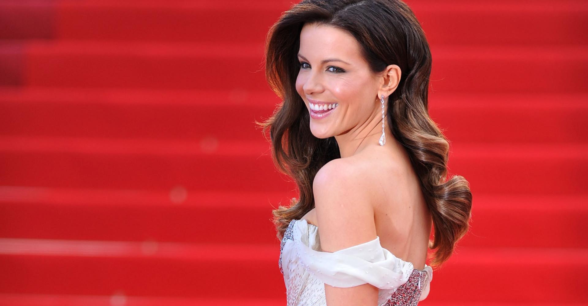 """Kate Beckinsale's skin regimen involves a """"foreskin facial"""""""