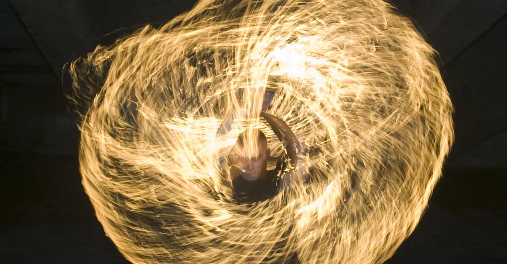 La danse du feu, un rituel aussi fabuleux qu'intemporel