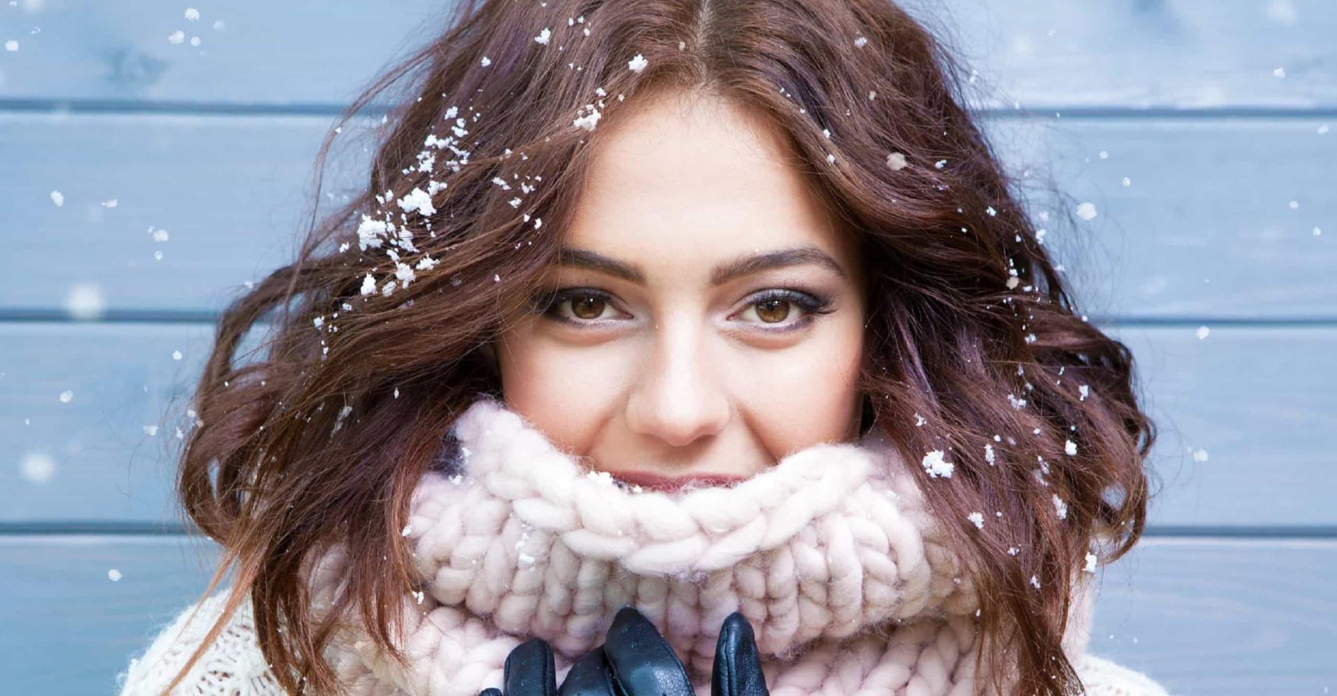 Waarom de winter zo slecht is voor je huid
