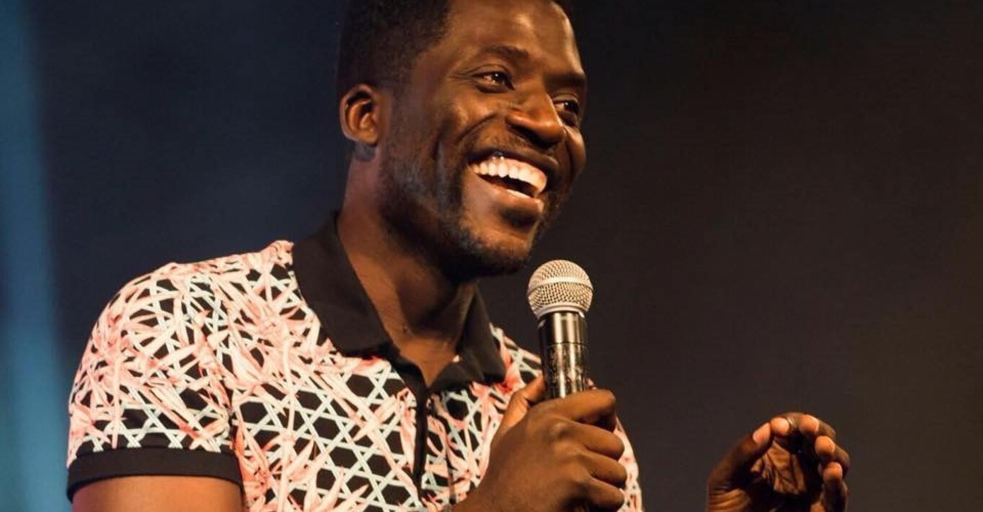 """L'humoriste Donel Jack'sman insulté de """"sale noir"""" lors d'un spectacle"""