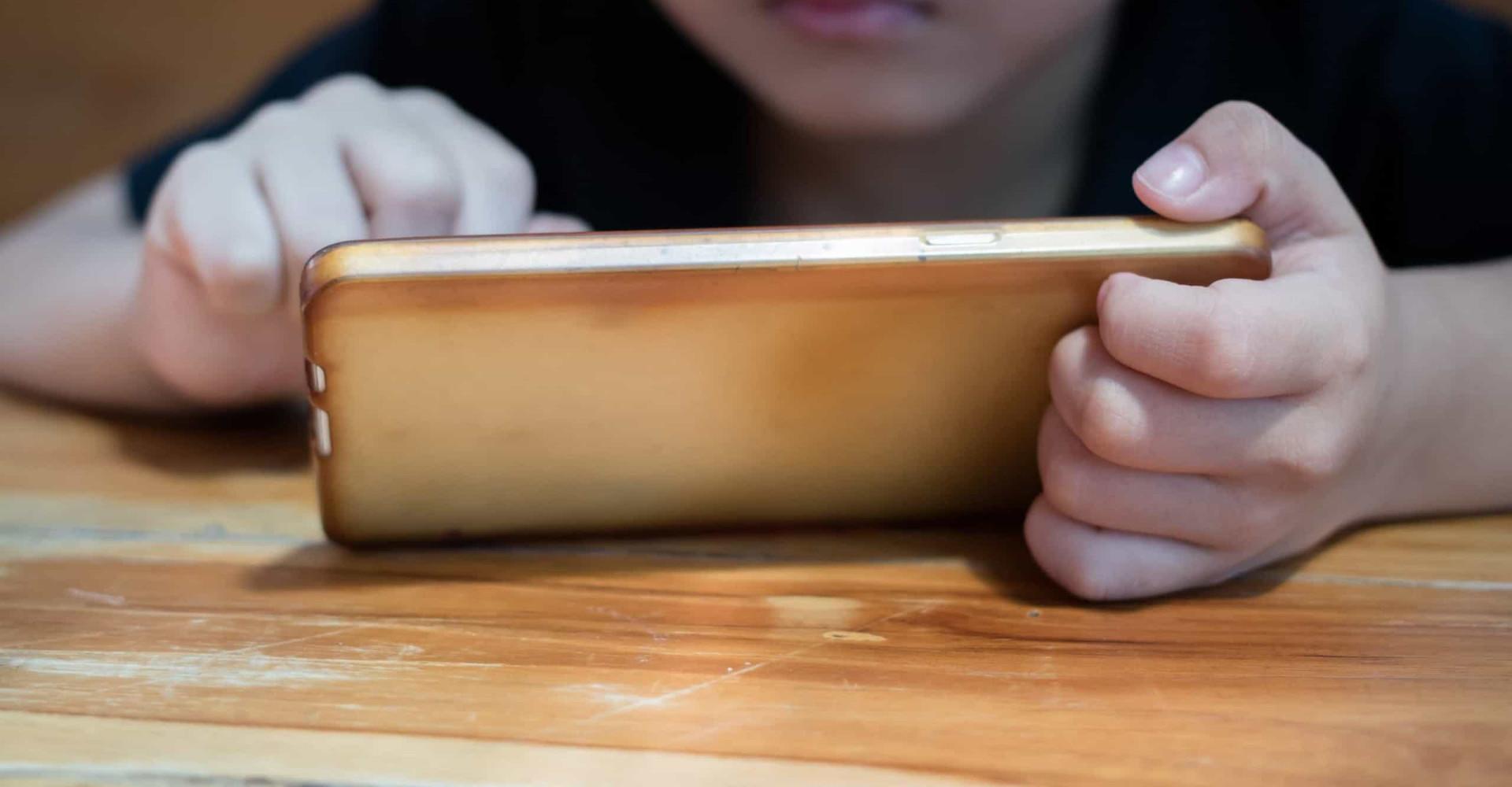 Wanneer zijn kinderen oud genoeg voor een smartphone?