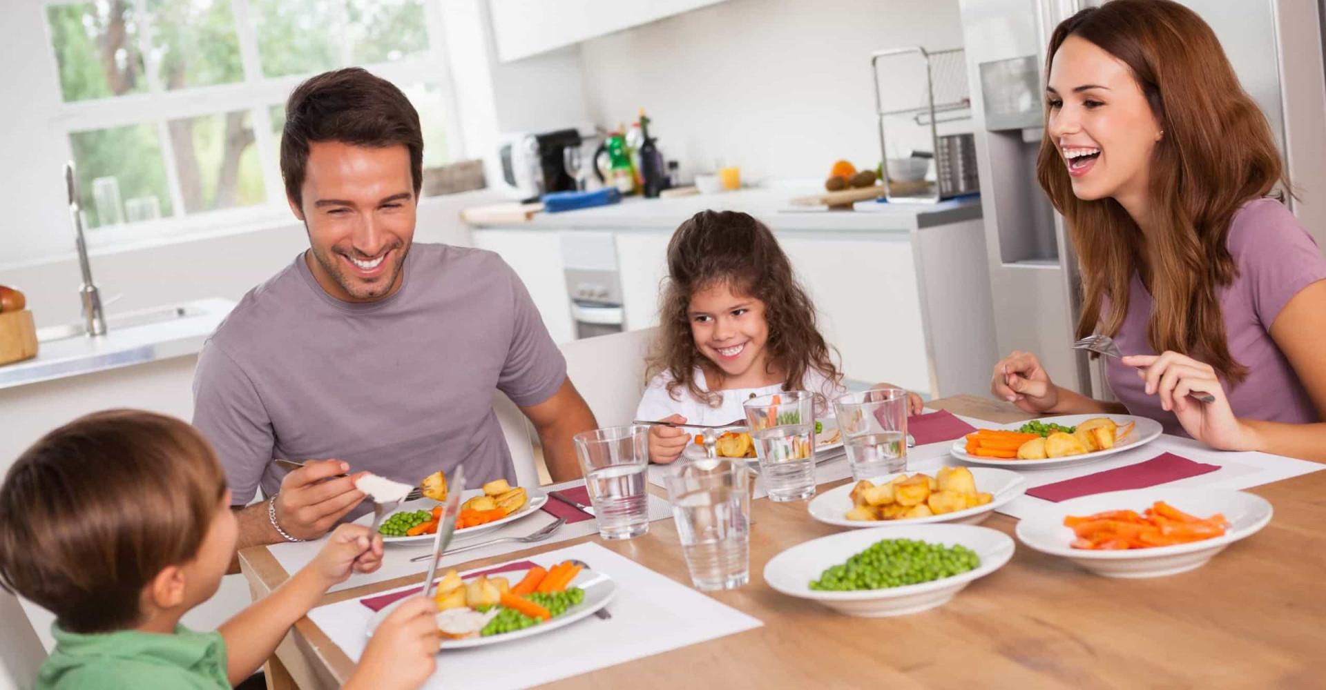 Gezamenlijk aan tafel eten is gezonder