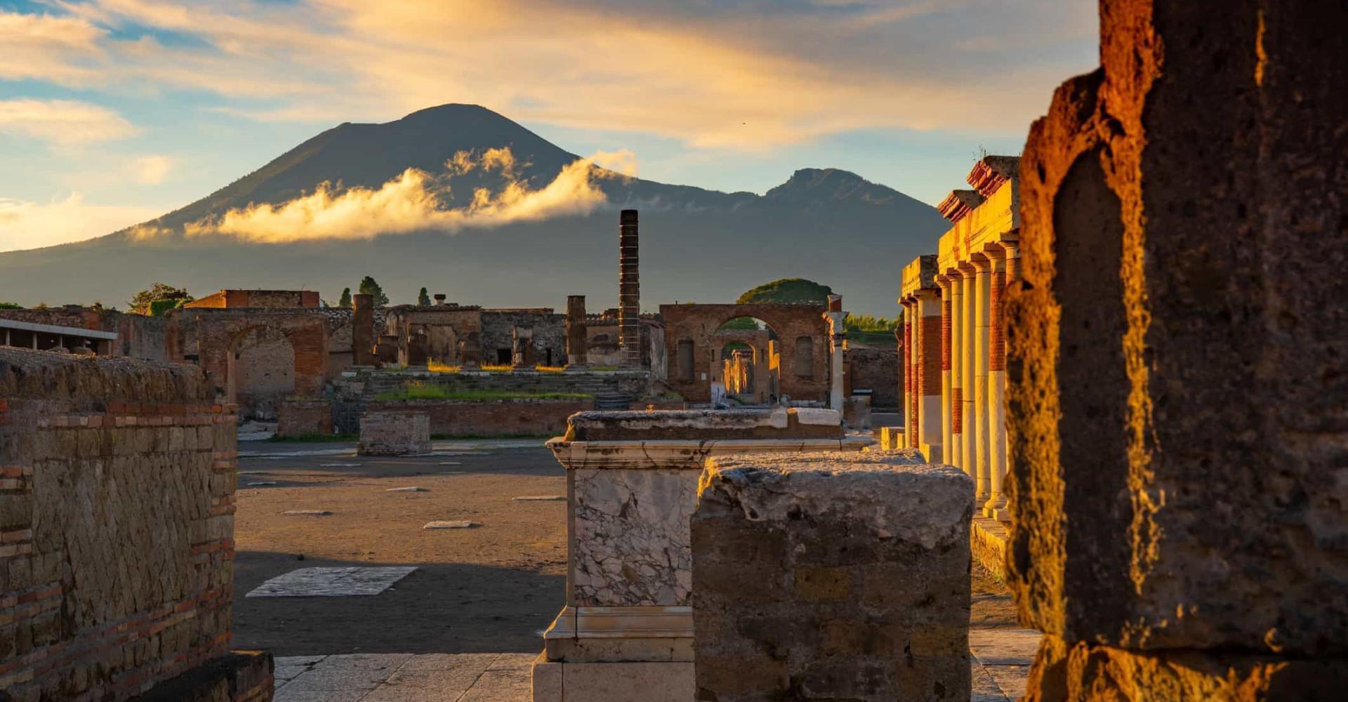Le meraviglie storiche e naturali di Napoli a un passo dal centro