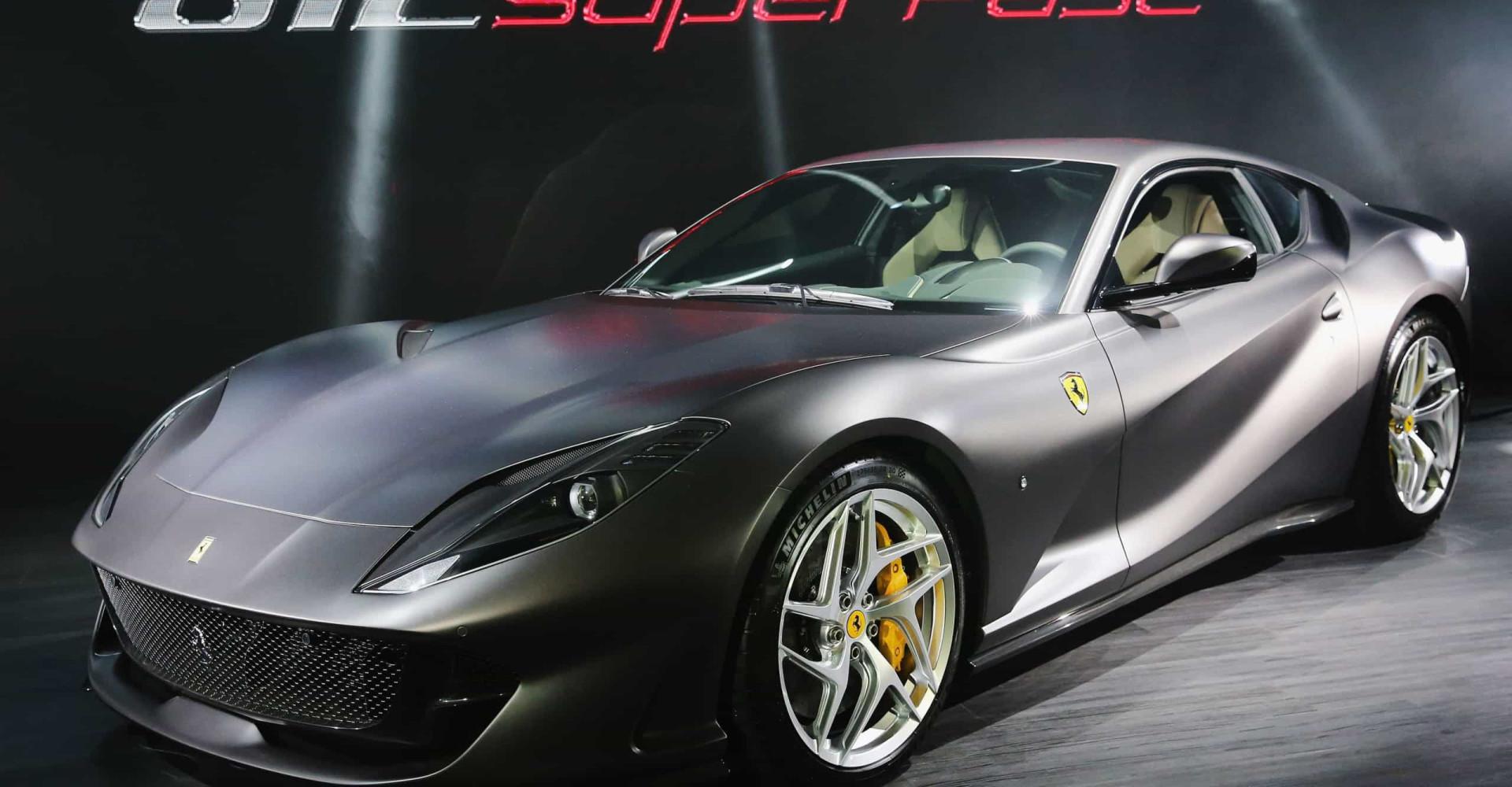 Star e motori: le celebrità che hanno una Ferrari nel garage