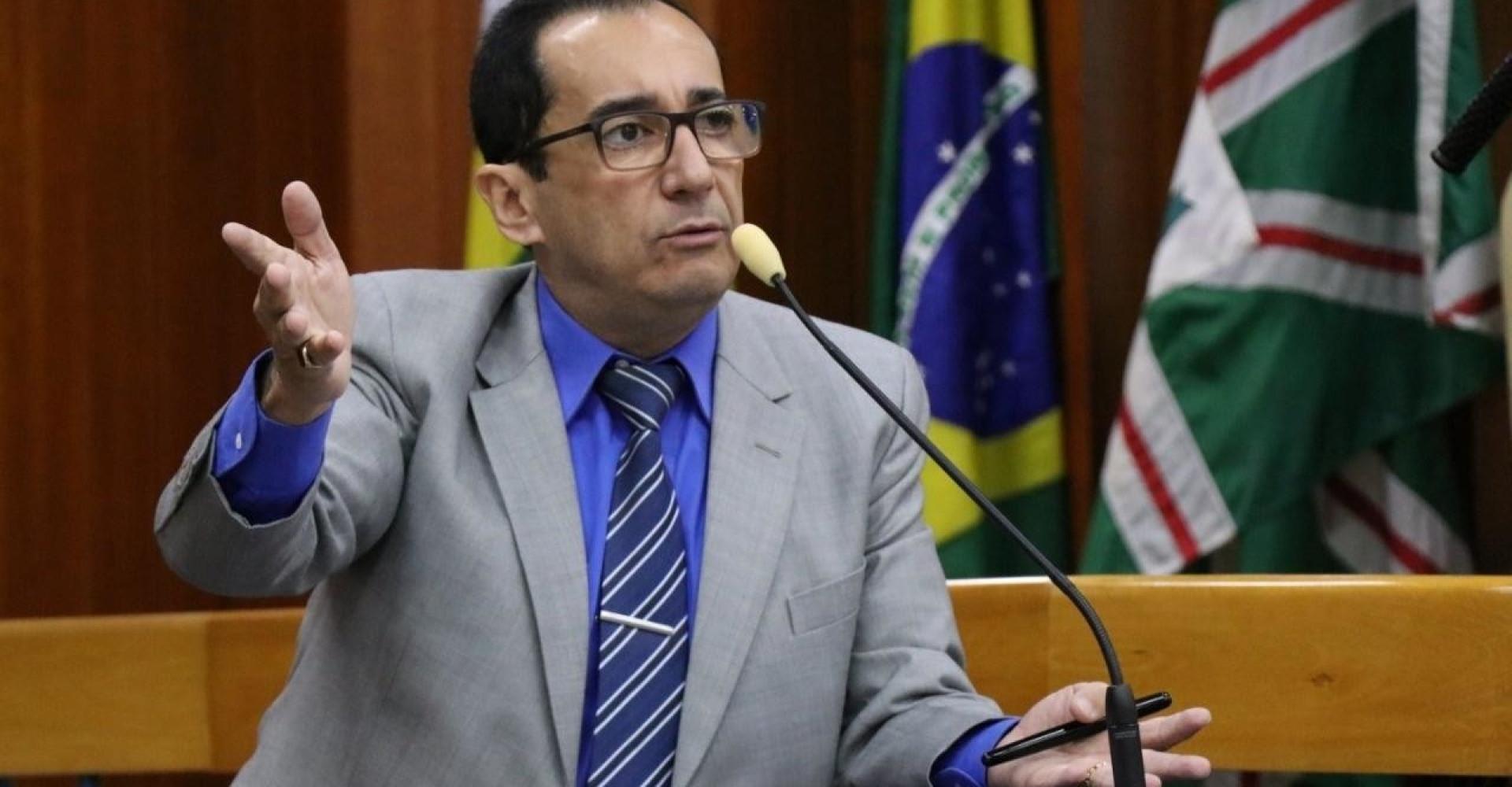 Jorge Kajuru é processado após chamar Luciana Gimenez de 'burra'