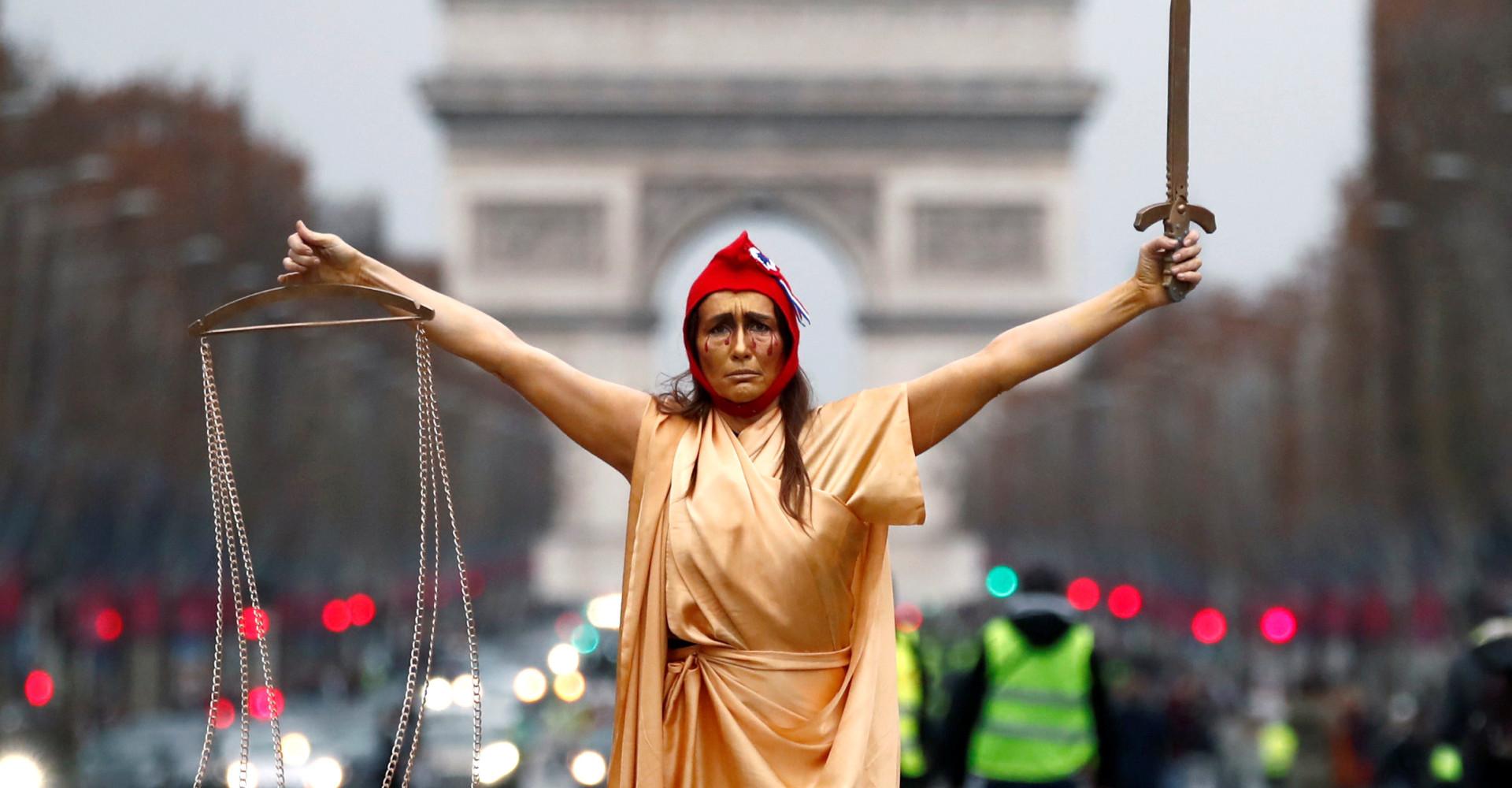 Paris is burning: les gilets jaunes en images