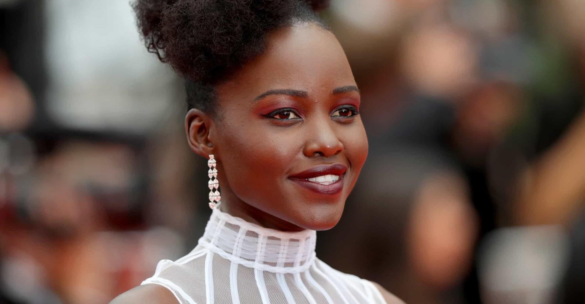 Lupita Nyong'o: O estilo da estrela do filme do momento