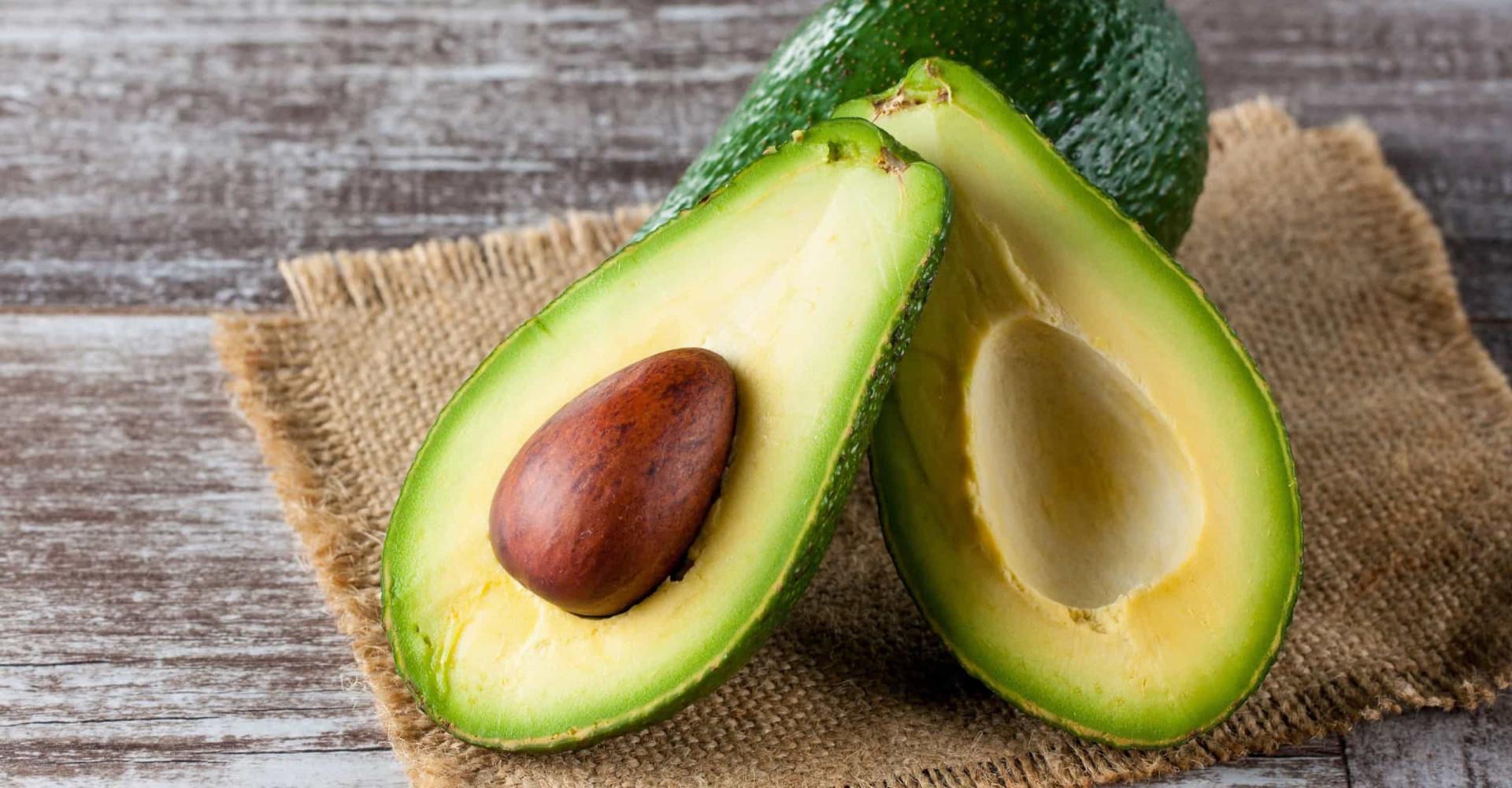 Op deze manier is je avocado binnen 10 minuten rijp