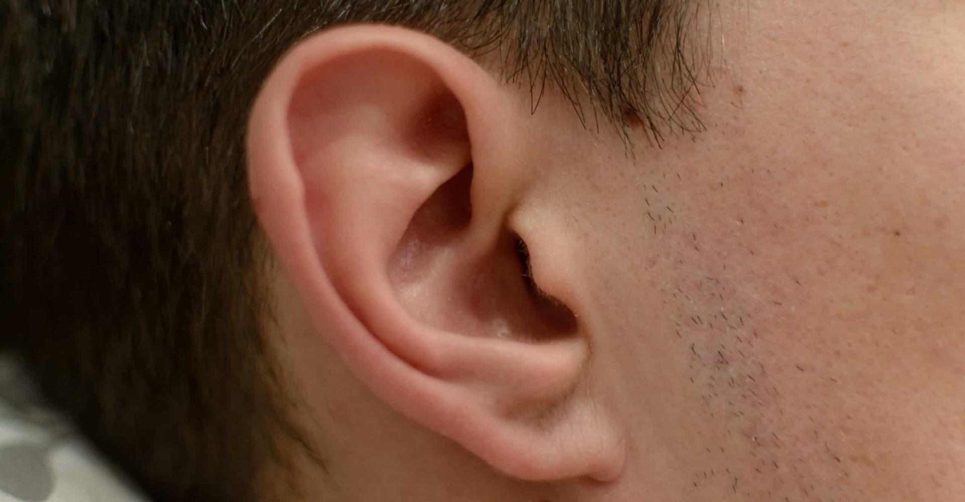 Wat te doen bij een insect in je oor?