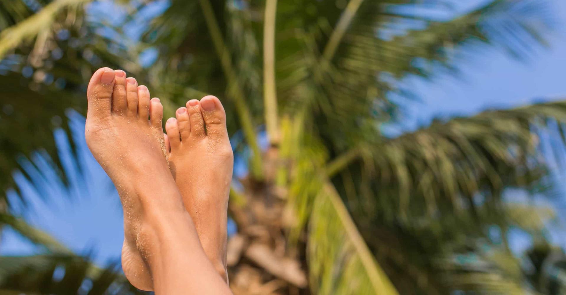 Dit simpele goedje doet je voetjes weer stralen