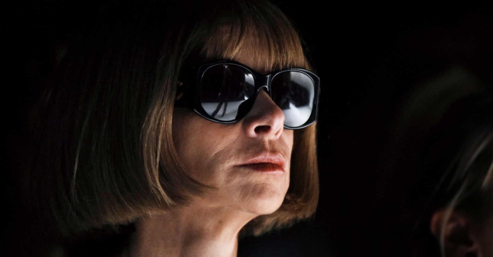 Que cache Anna Wintour derrière ses lunettes?