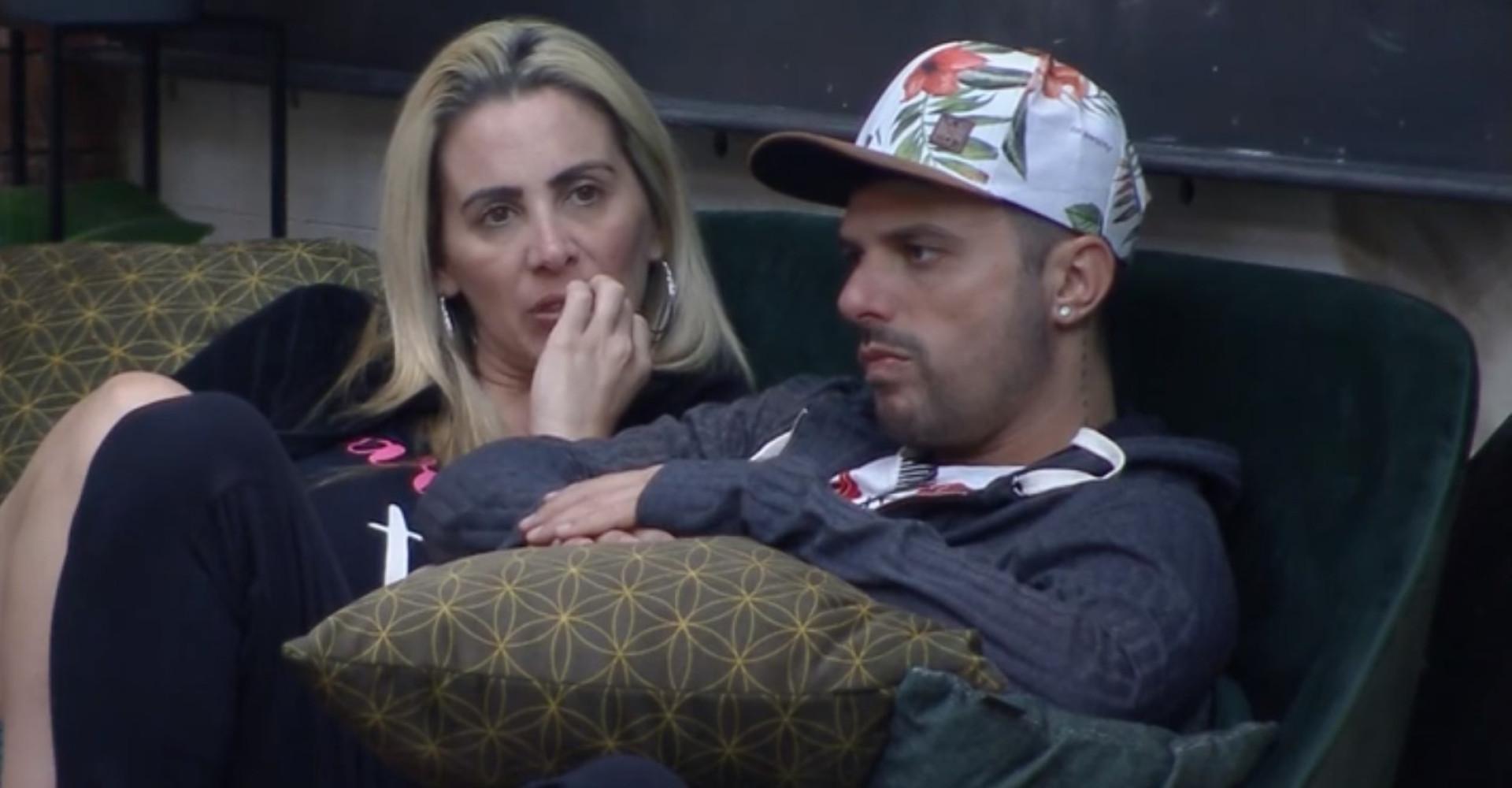Faby Monarca e Enrico Mansur são os primeiros eliminados do 'Power Couple'