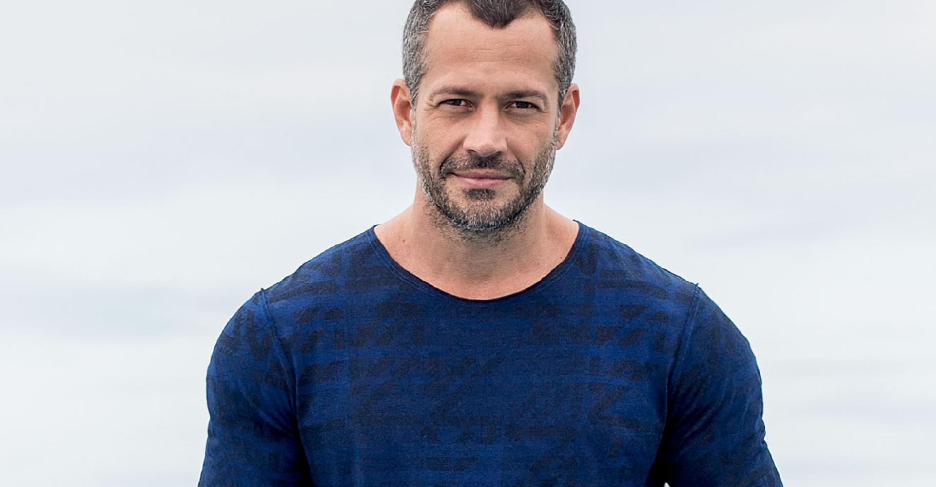 Malvino Salvador comenta relacionamento gay com Caio Castro em novela