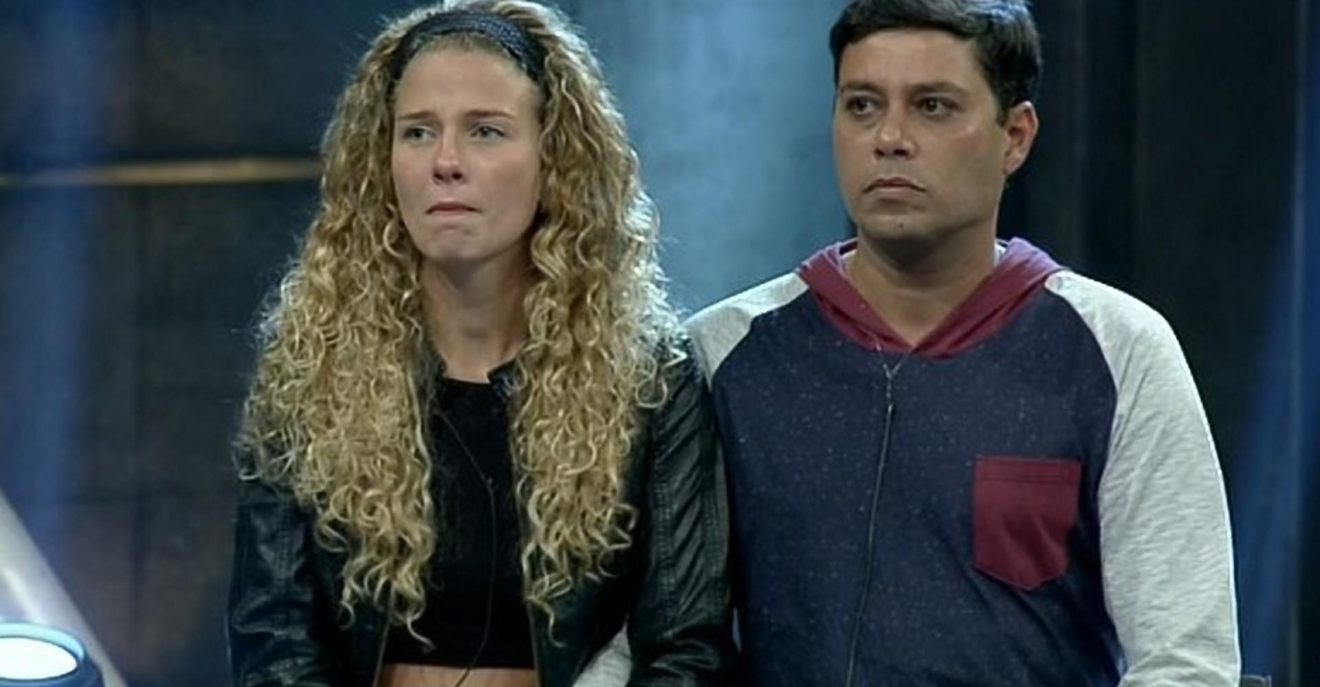 Após barraco, Debby e Leandro são eliminados do 'Power Couple'