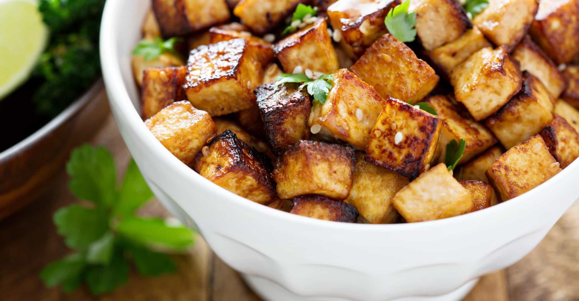 Zo geef je tofu smaak