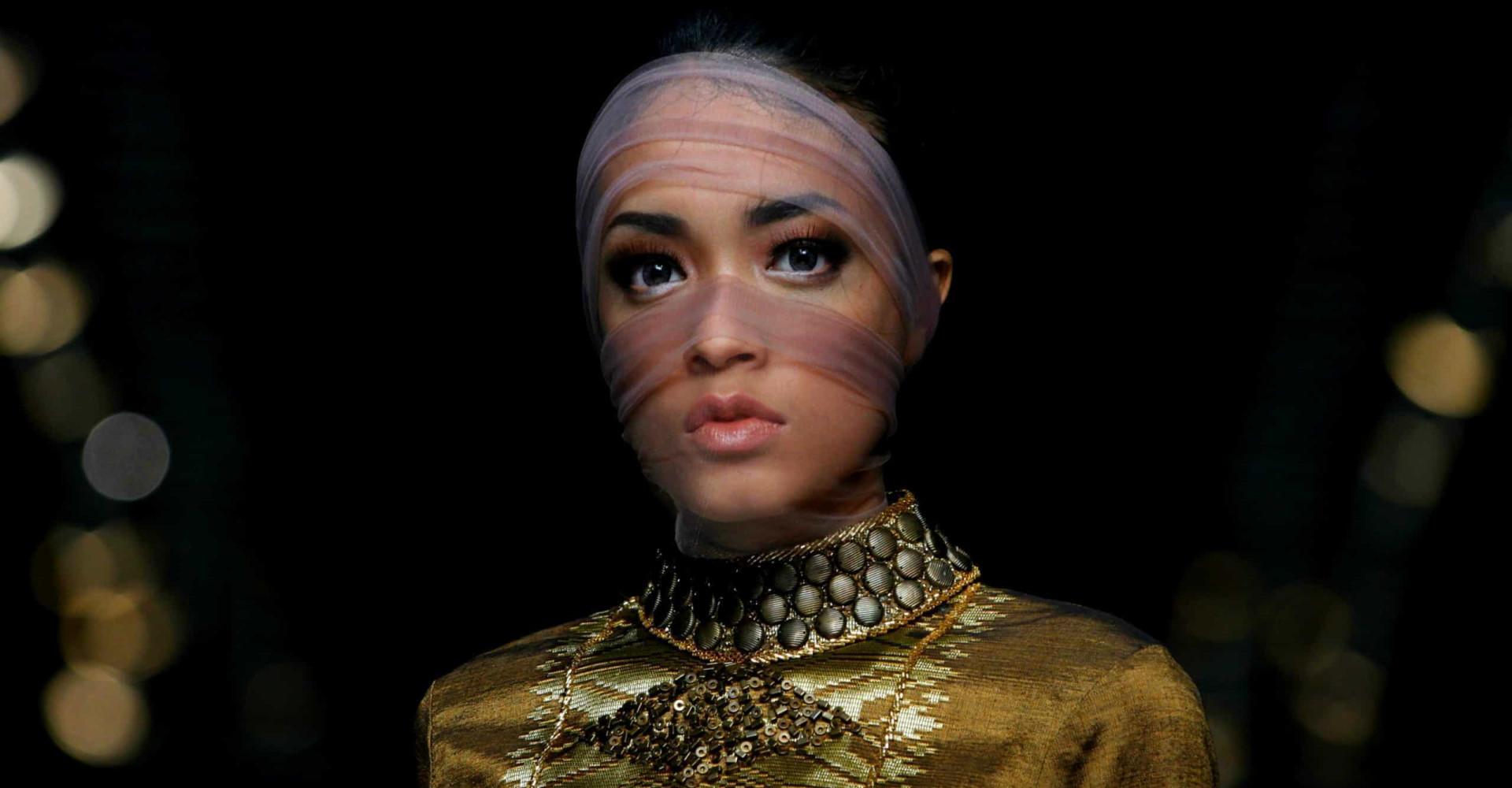 El velo y la mujer: religión y moda milenaria