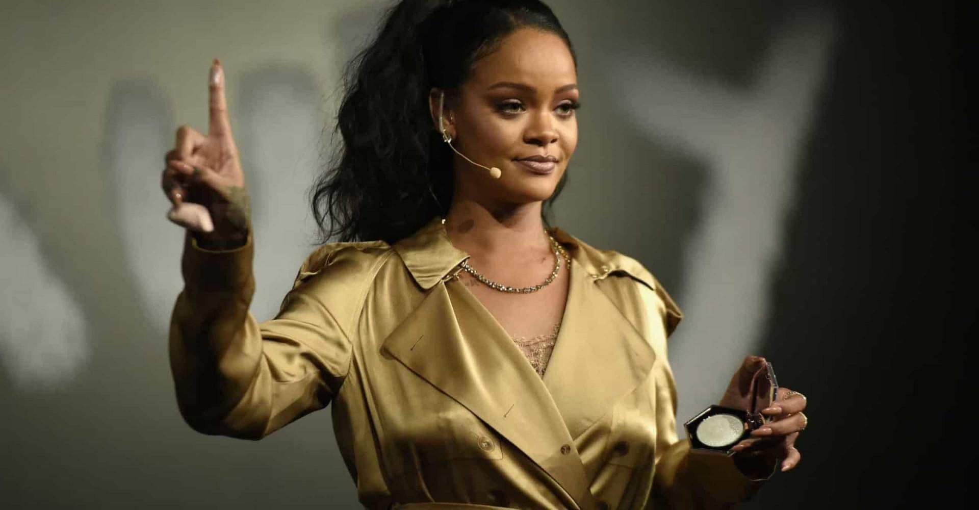 Rihanna critica Trump após atentados; famosos se posicionam sobre armas