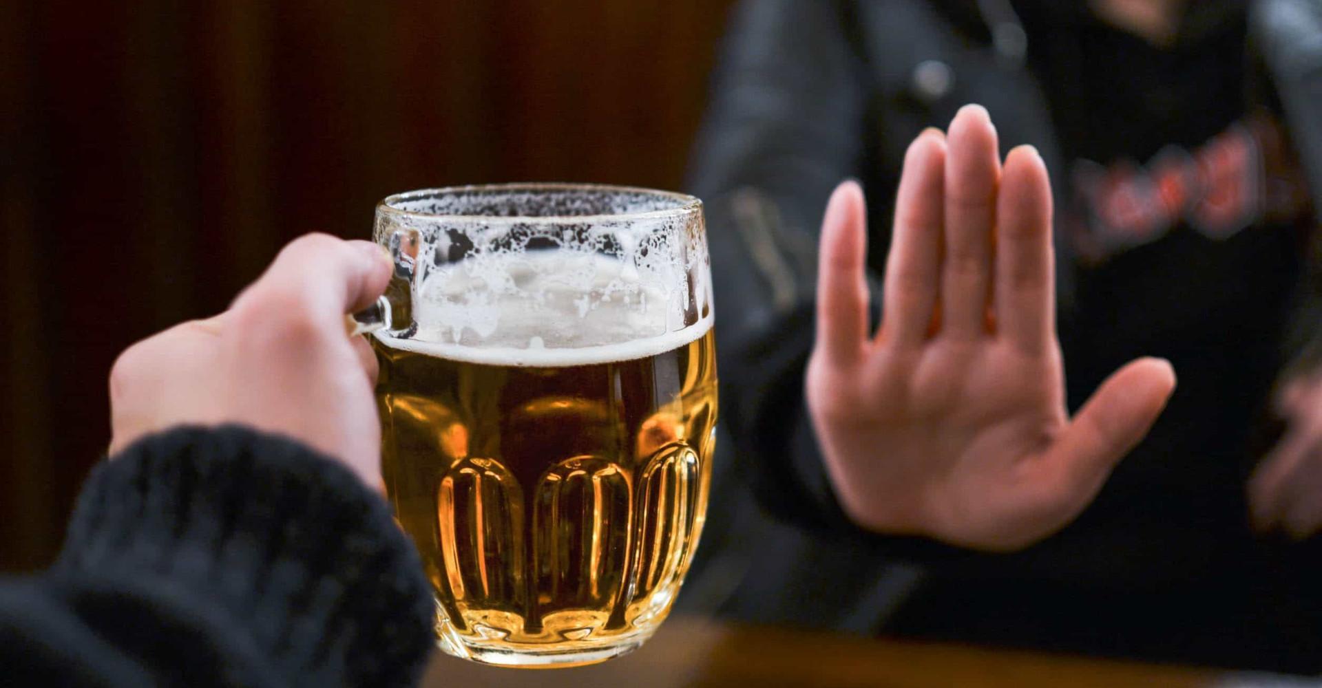 Zo leg je uit dat je geen alcohol drinkt
