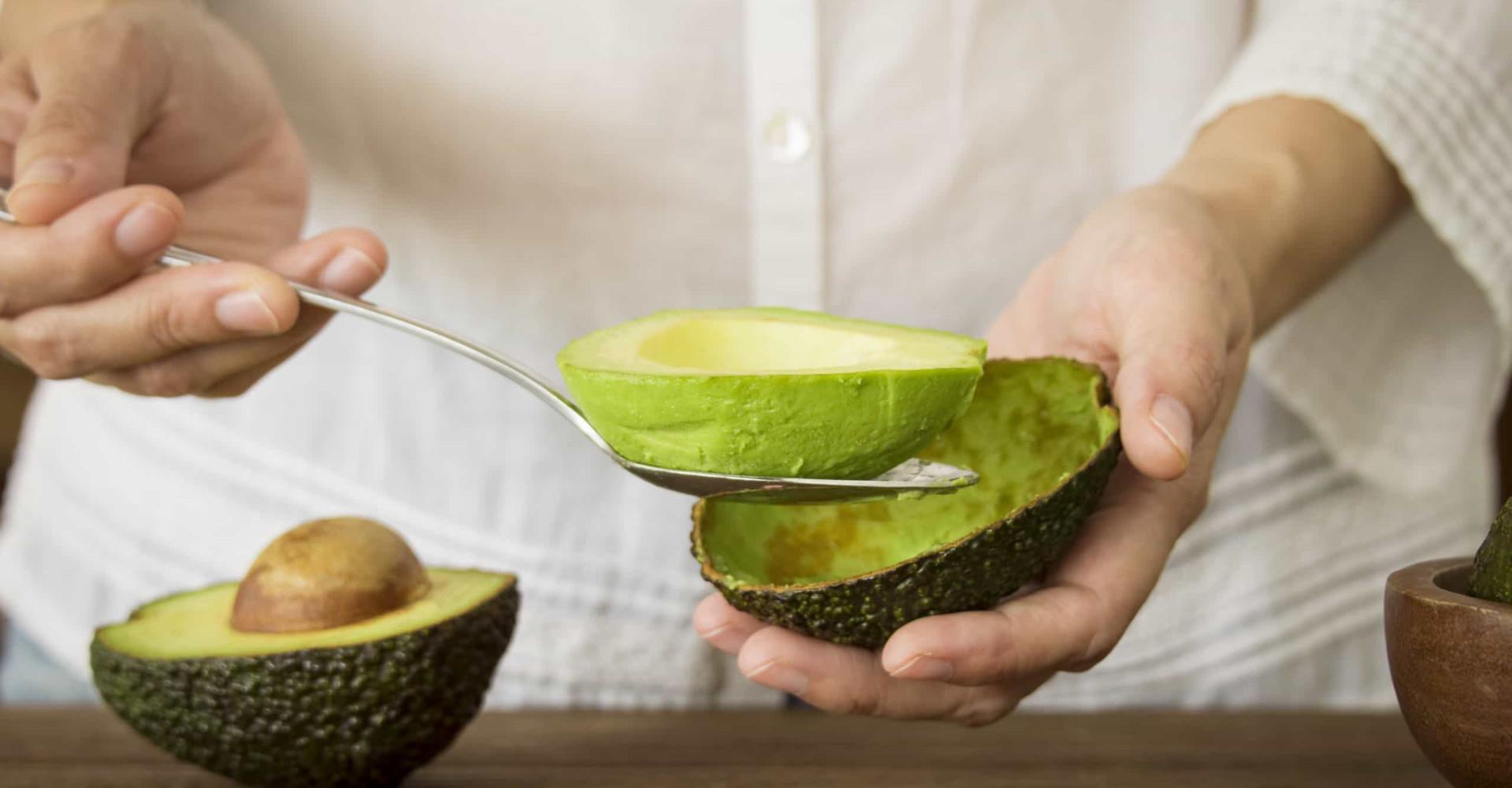 Waarom je je avocado moet wassen voor je hem eet
