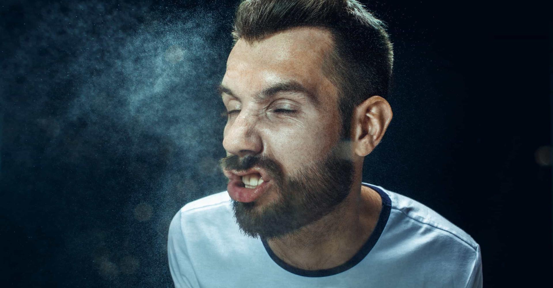 Wat de manier waarop je niest zegt over je persoonlijkheid