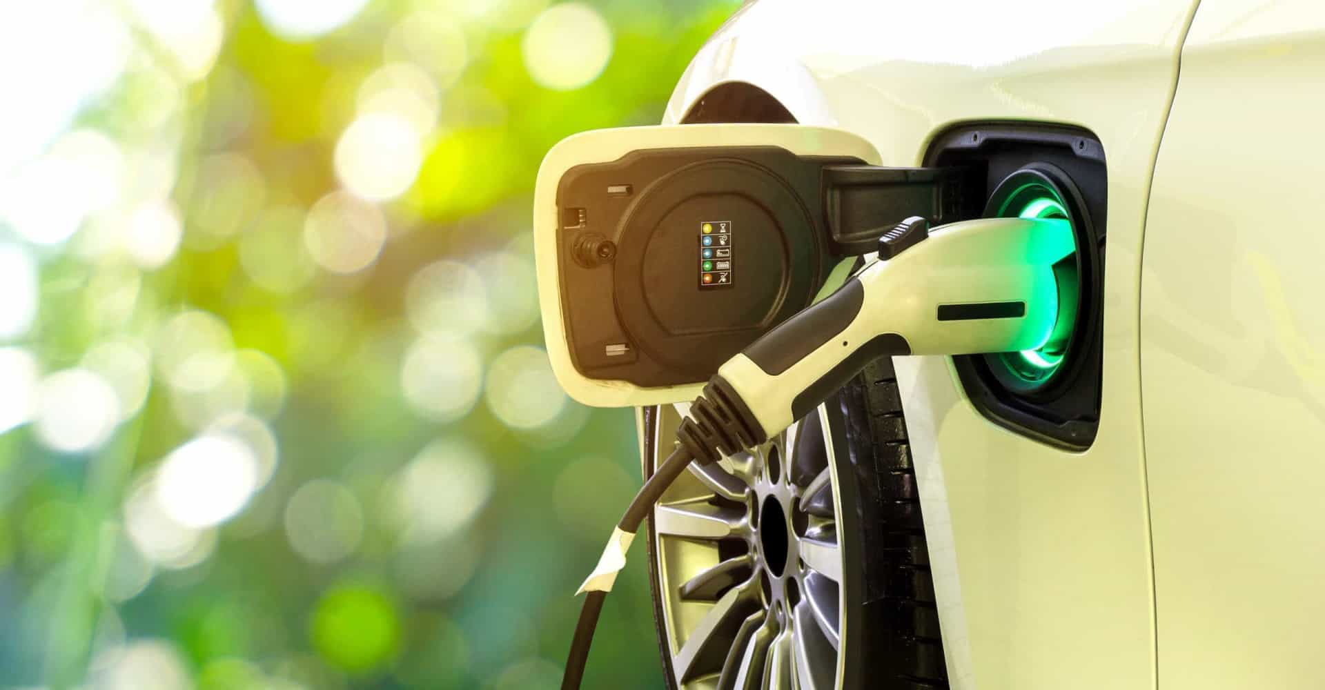 Ventajas e inconvenientes de comprar un auto eléctrico